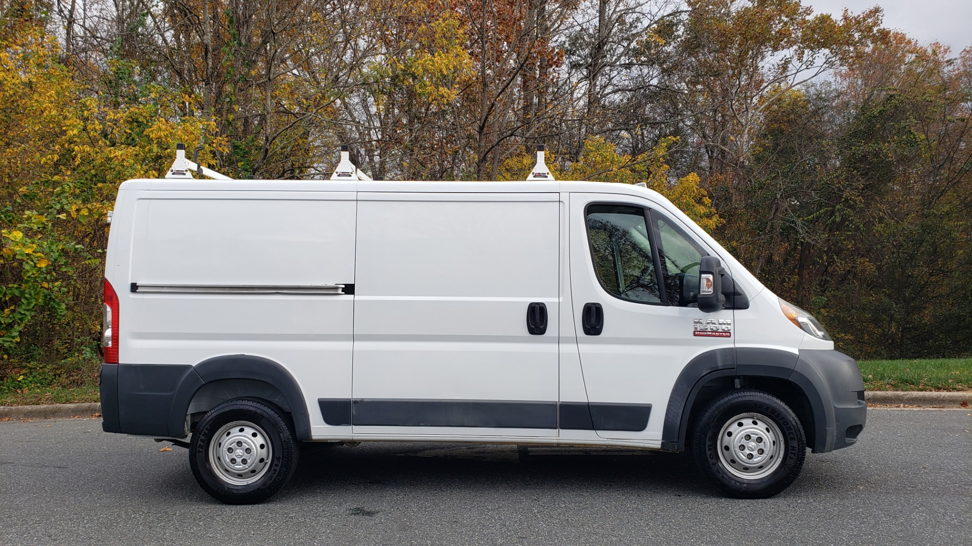 Used 2015 Ram PROMASTER CARGO VAN 136-INCH WB / LOW ROOF / LADDER RACK / INSIDE RACKS for sale $15,995 at Formula Imports in Charlotte NC 28227 5