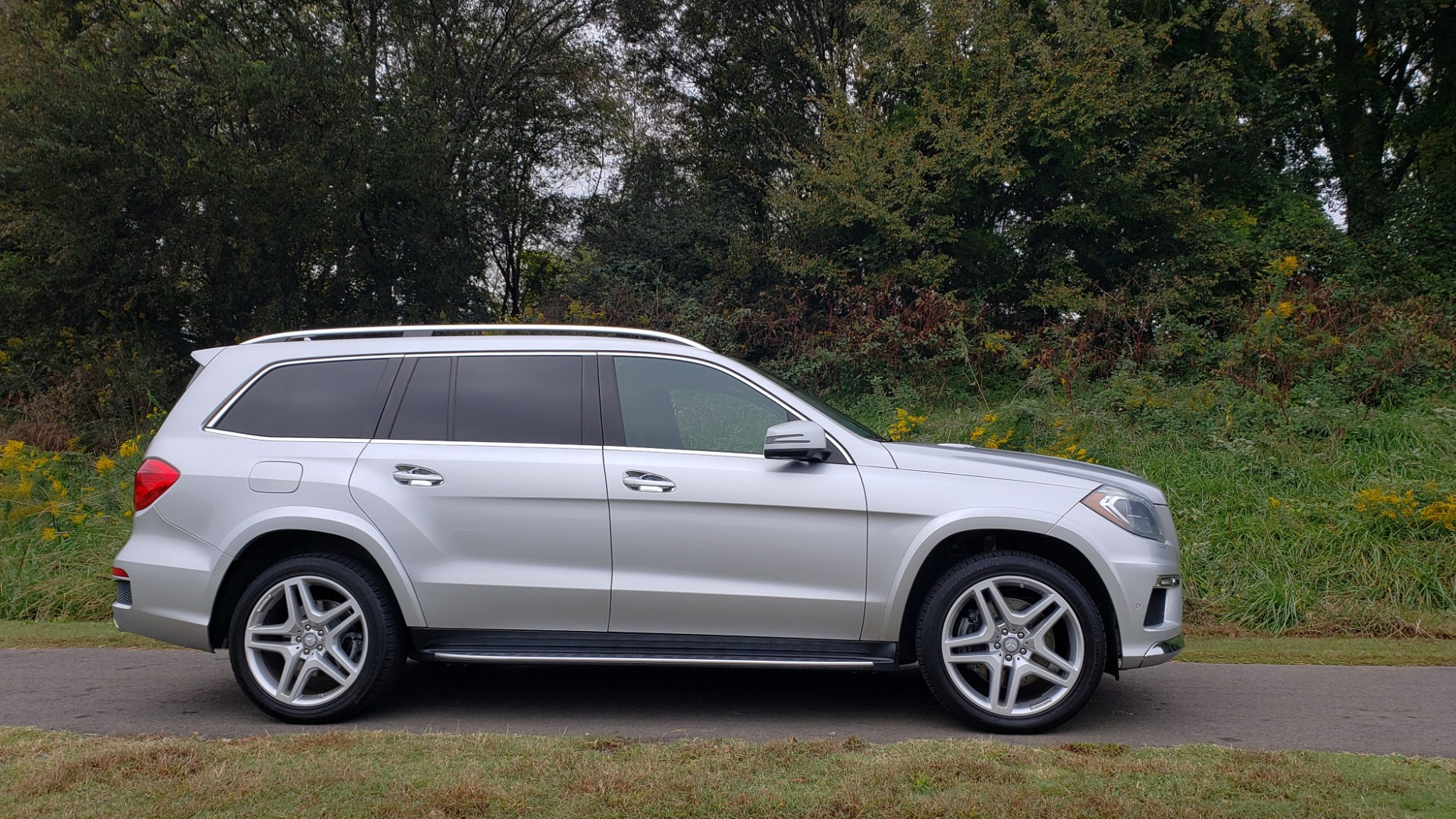 Used 2014 Mercedes-Benz GL-CLASS GL 550 4MATIC / DRVR ASST / NAV / PANO-ROOF / 3-ROWS for sale Sold at Formula Imports in Charlotte NC 28227 3