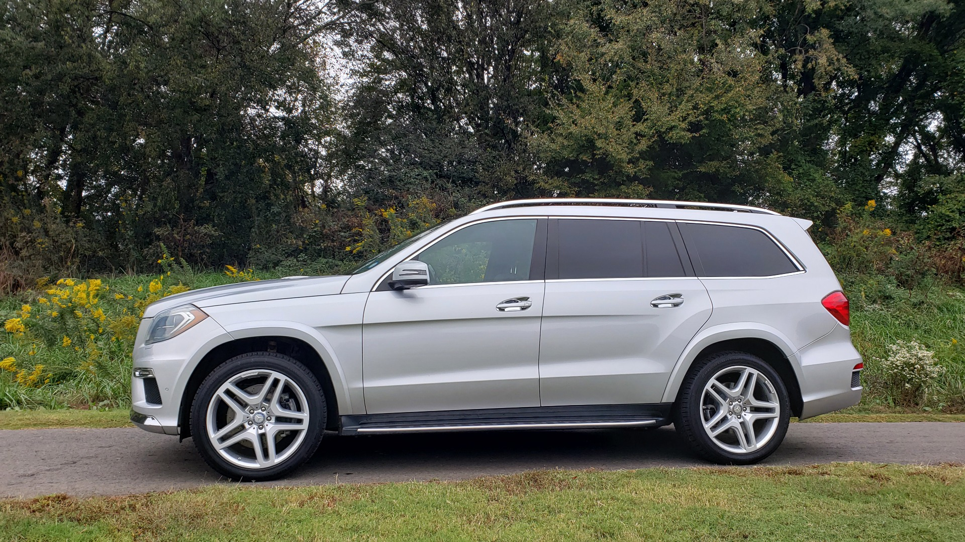 Used 2014 Mercedes-Benz GL-CLASS GL 550 4MATIC / DRVR ASST / NAV / PANO-ROOF / 3-ROWS for sale Sold at Formula Imports in Charlotte NC 28227 6