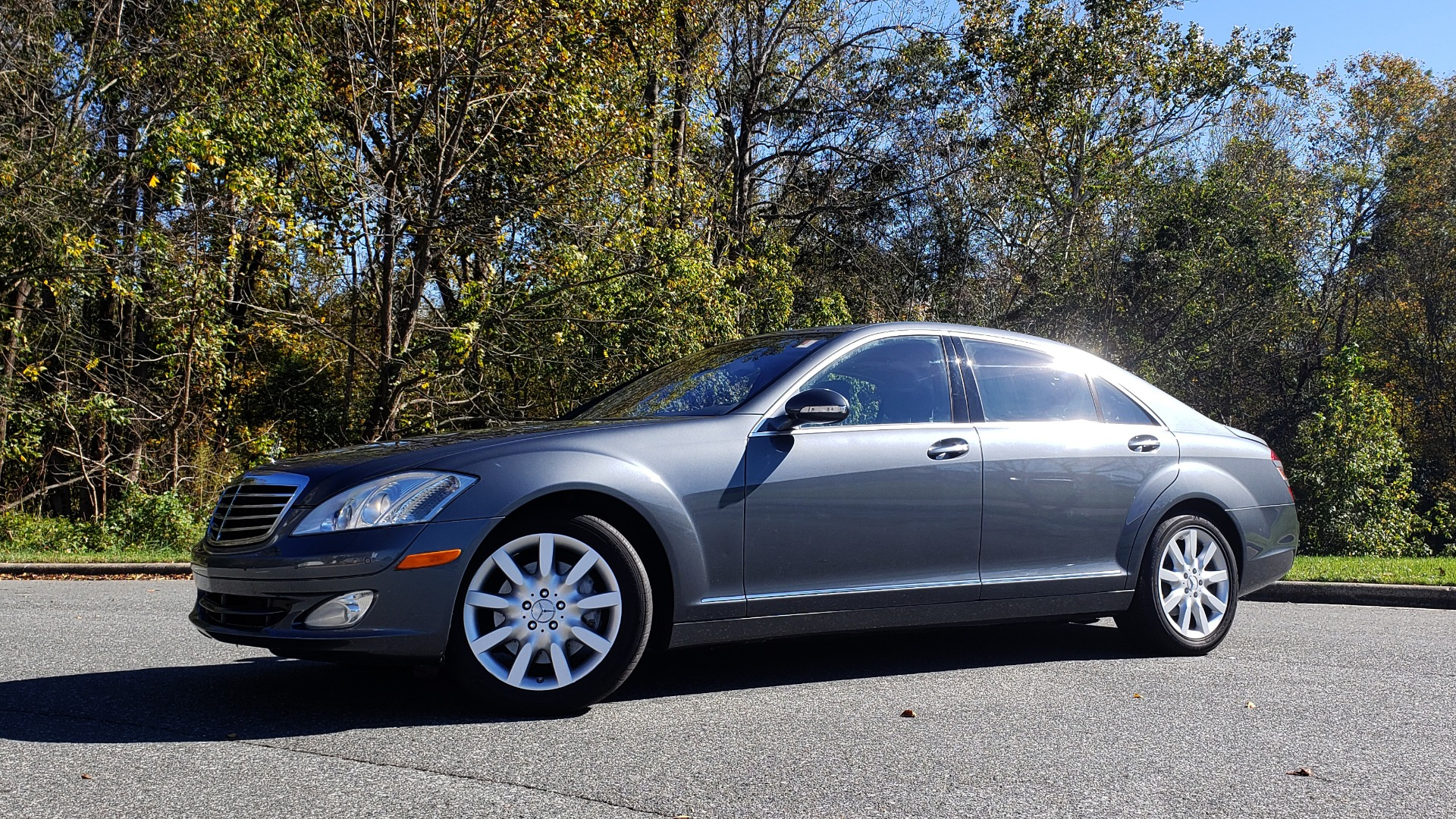 Used 2007 Mercedes-Benz S-CLASS S550 5.5L V8 / LWB / PREM 2 / NAV / SUNROOF / KEYLESS-GO for sale Sold at Formula Imports in Charlotte NC 28227 2
