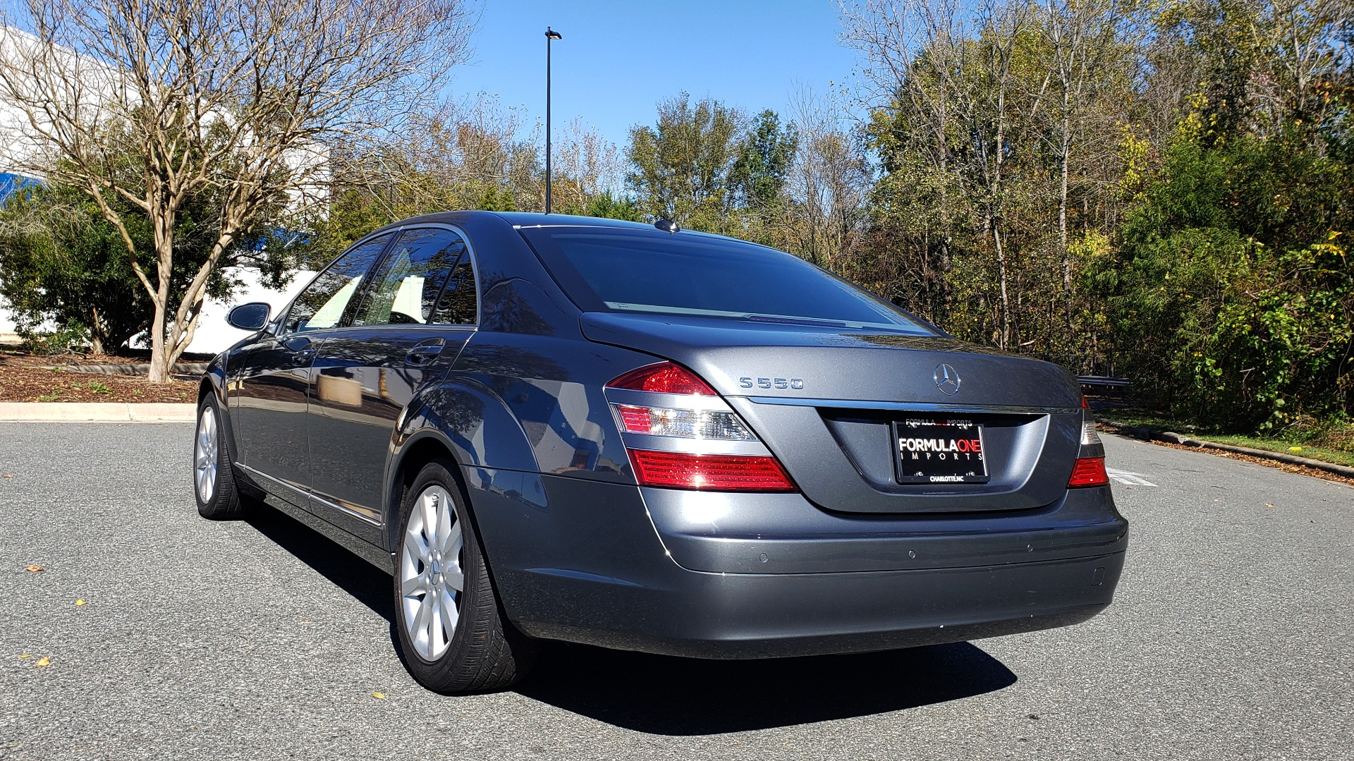 Used 2007 Mercedes-Benz S-CLASS S550 5.5L V8 / LWB / PREM 2 / NAV / SUNROOF / KEYLESS-GO for sale Sold at Formula Imports in Charlotte NC 28227 4