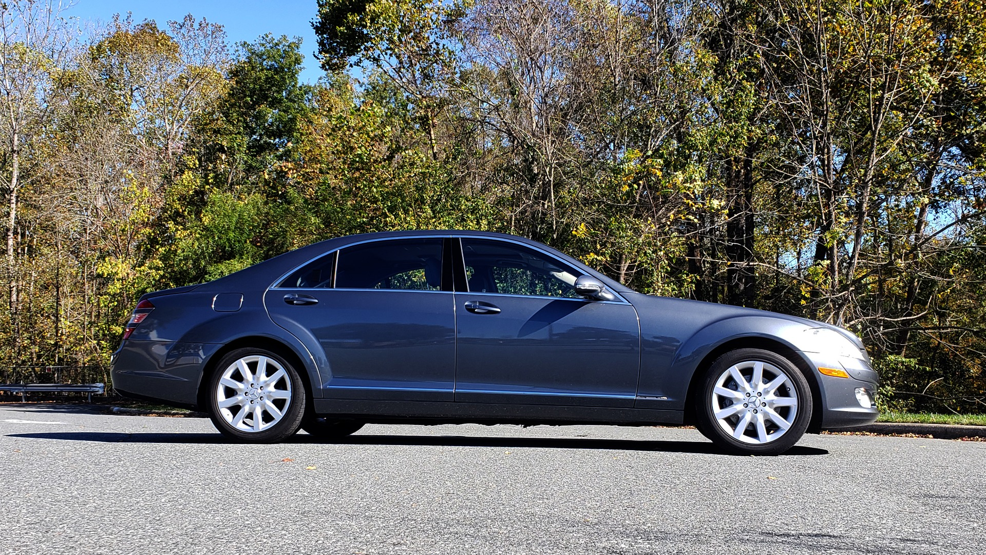 Used 2007 Mercedes-Benz S-CLASS S550 5.5L V8 / LWB / PREM 2 / NAV / SUNROOF / KEYLESS-GO for sale Sold at Formula Imports in Charlotte NC 28227 5