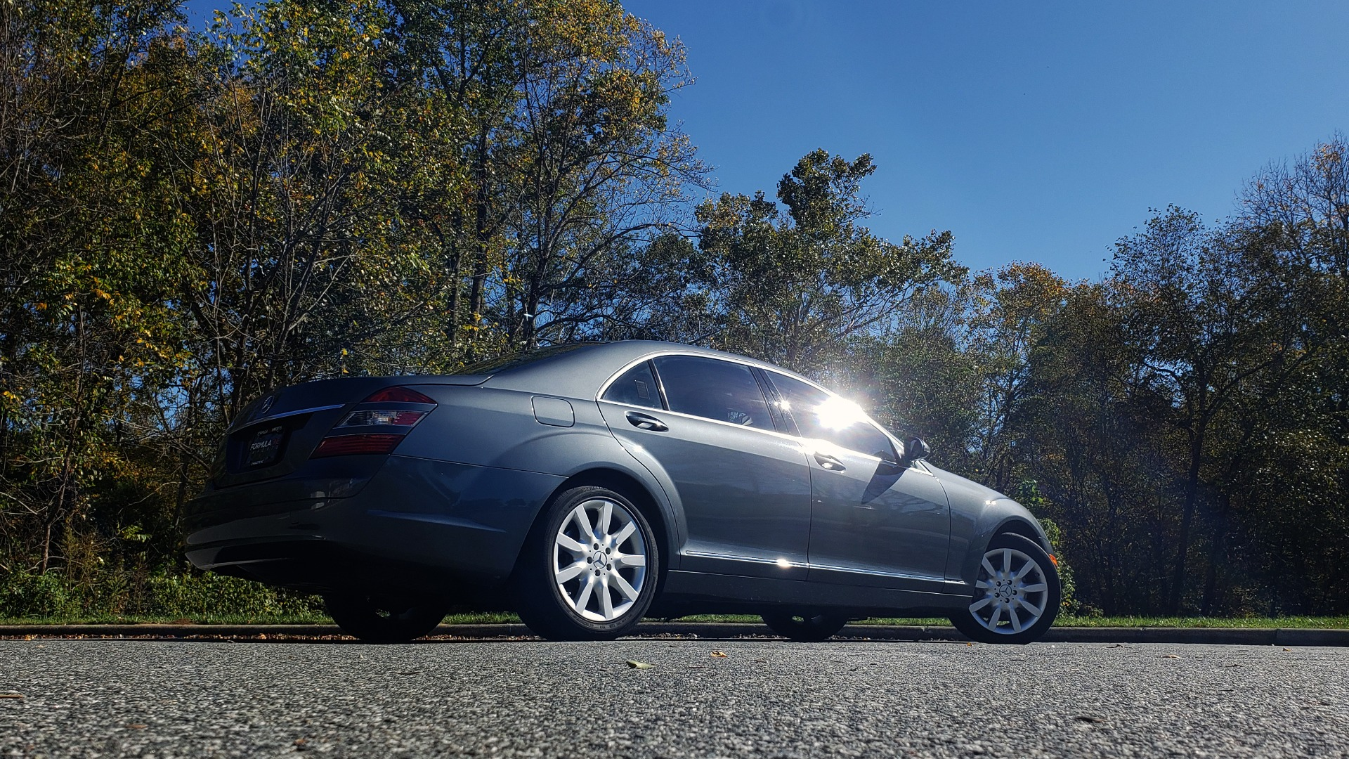 Used 2007 Mercedes-Benz S-CLASS S550 5.5L V8 / LWB / PREM 2 / NAV / SUNROOF / KEYLESS-GO for sale Sold at Formula Imports in Charlotte NC 28227 6