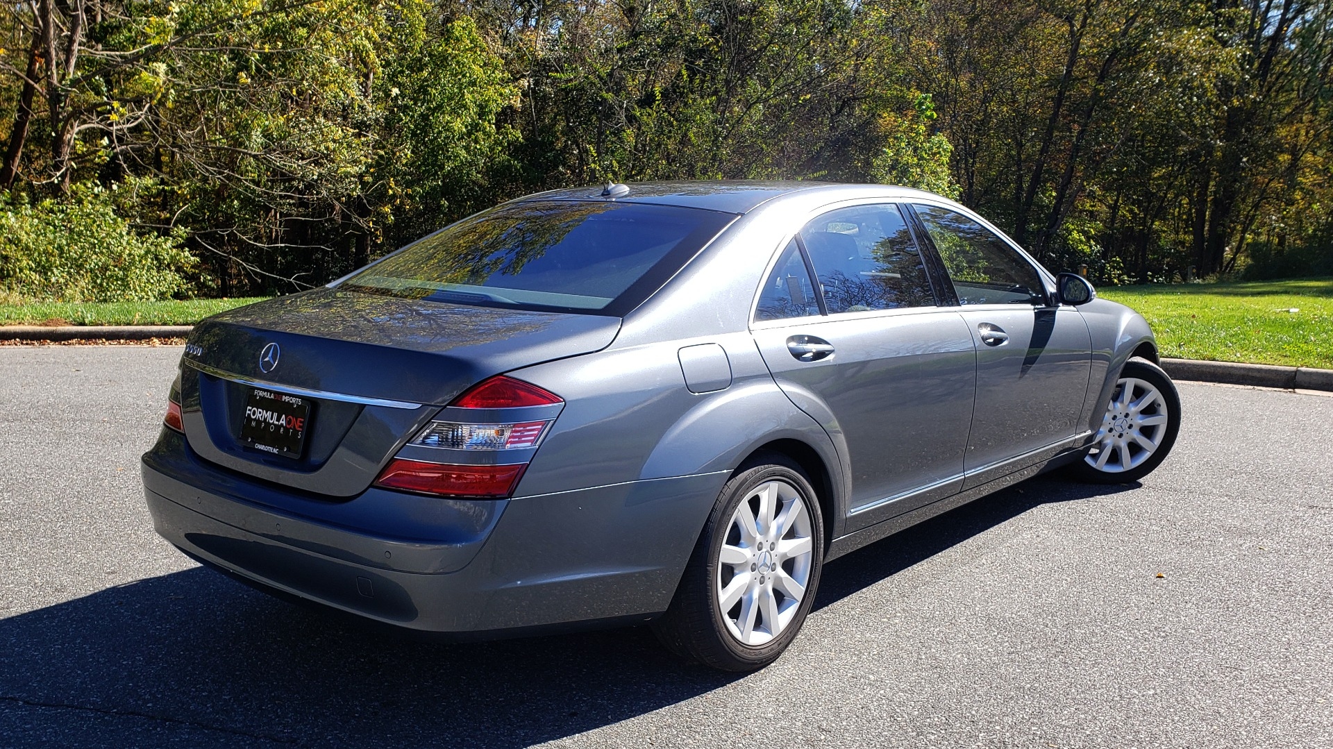 Used 2007 Mercedes-Benz S-CLASS S550 5.5L V8 / LWB / PREM 2 / NAV / SUNROOF / KEYLESS-GO for sale Sold at Formula Imports in Charlotte NC 28227 8