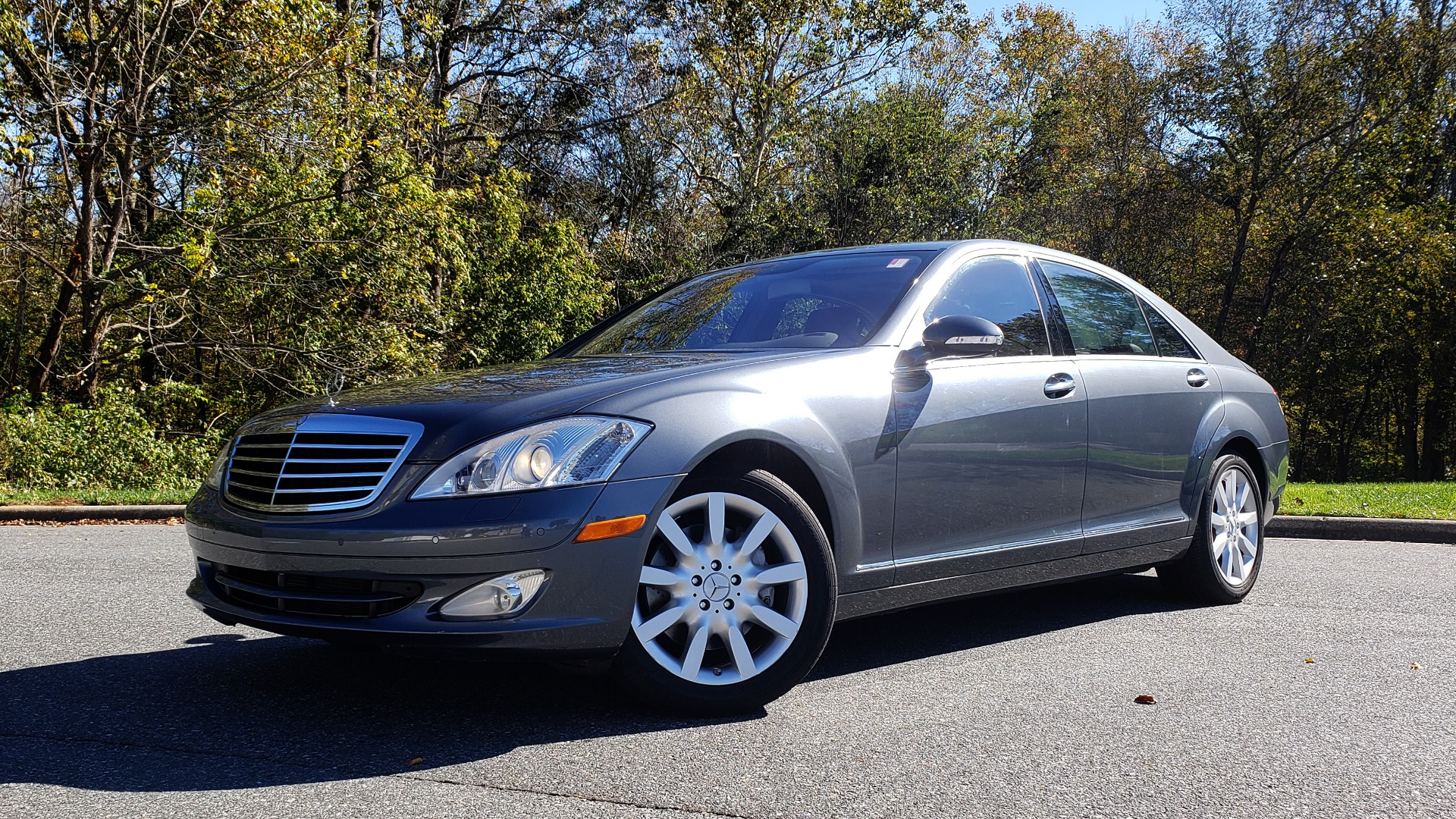 Used 2007 Mercedes-Benz S-CLASS S550 5.5L V8 / LWB / PREM 2 / NAV / SUNROOF / KEYLESS-GO for sale Sold at Formula Imports in Charlotte NC 28227 1