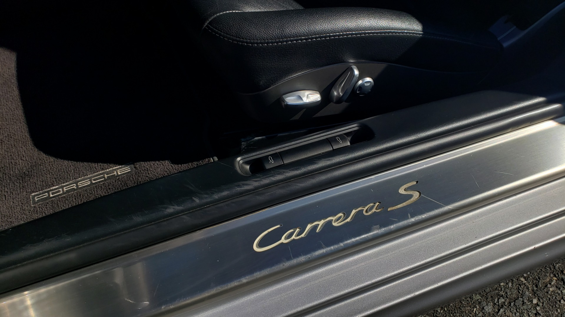 Used 2006 Porsche 911 CARRERA S / 5-SPD AUTO / SPORT CHRONO / NAV / BOSE / SUNROOF for sale Sold at Formula Imports in Charlotte NC 28227 30