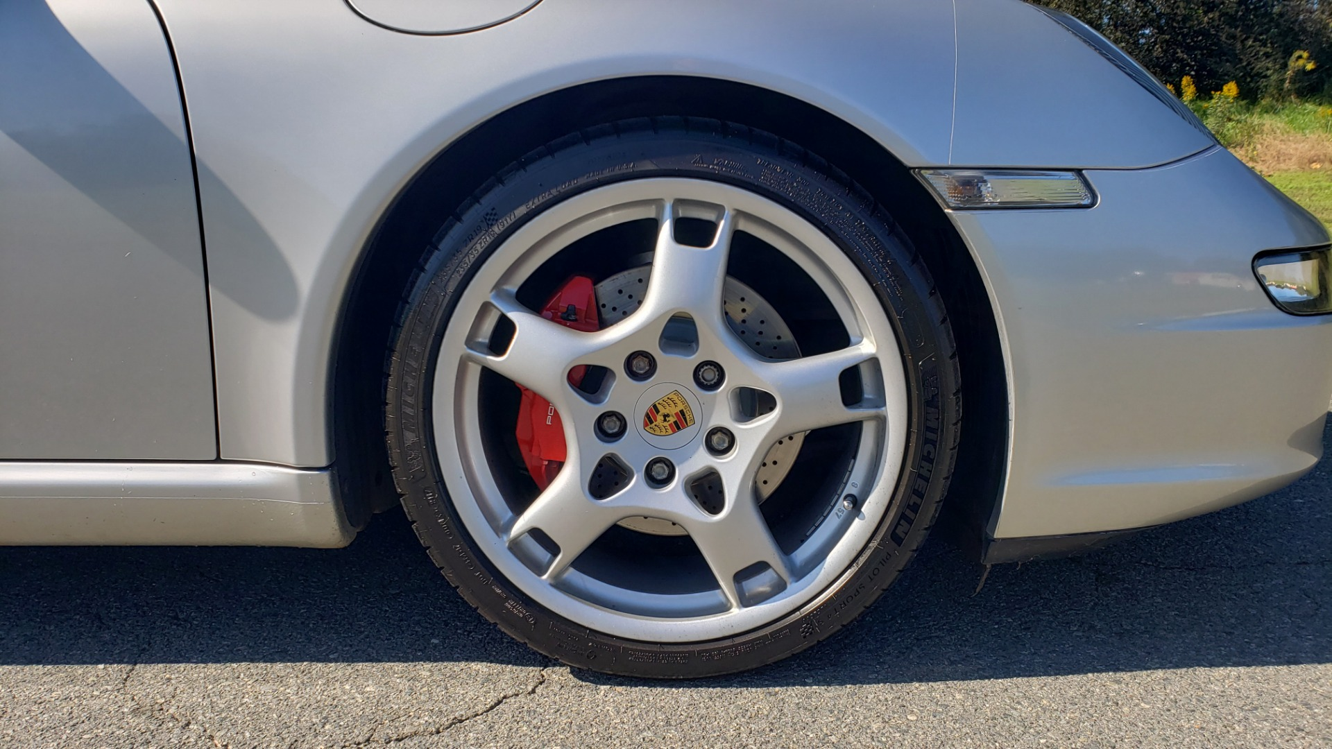 Used 2006 Porsche 911 CARRERA S / 5-SPD AUTO / SPORT CHRONO / NAV / BOSE / SUNROOF for sale Sold at Formula Imports in Charlotte NC 28227 82