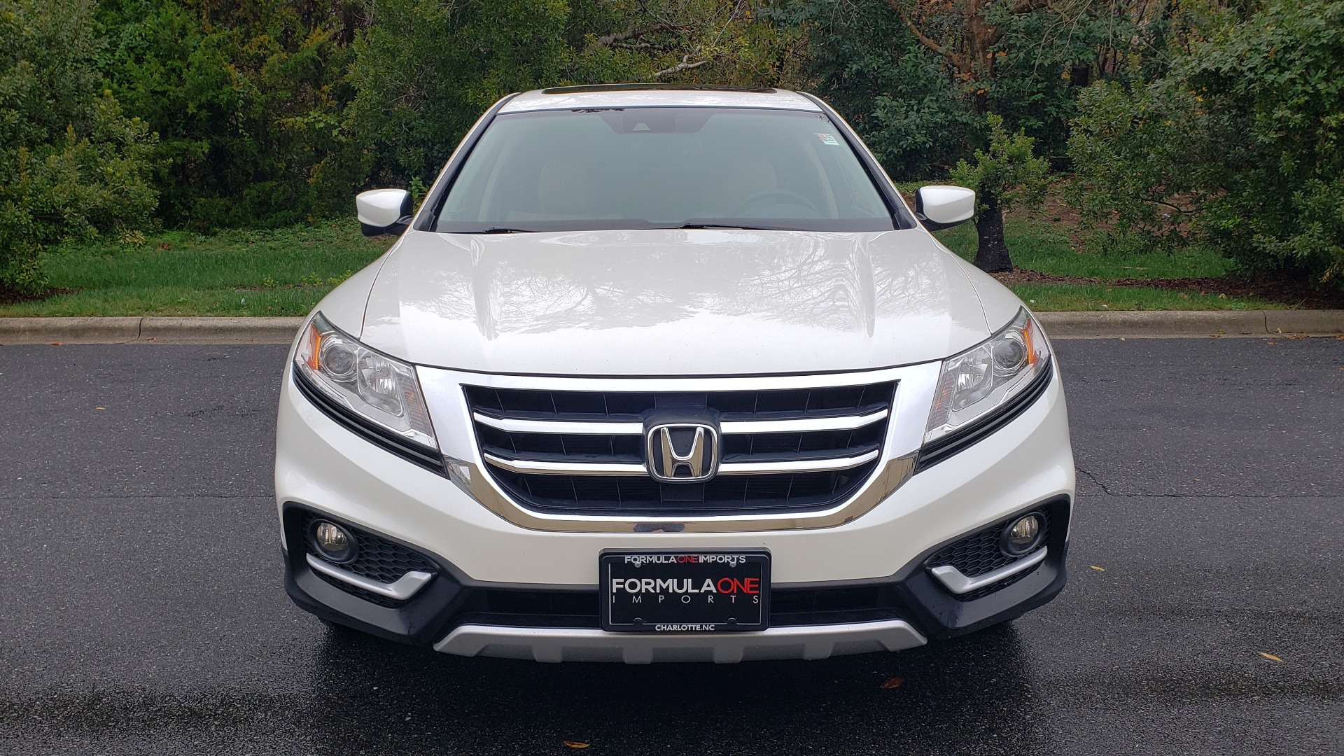 Used 2015 Honda CROSSTOUR EX-L 2WD / SUNROOF / REARVIEW / 17-IN ALLOY WHEELS for sale $11,595 at Formula Imports in Charlotte NC 28227 17