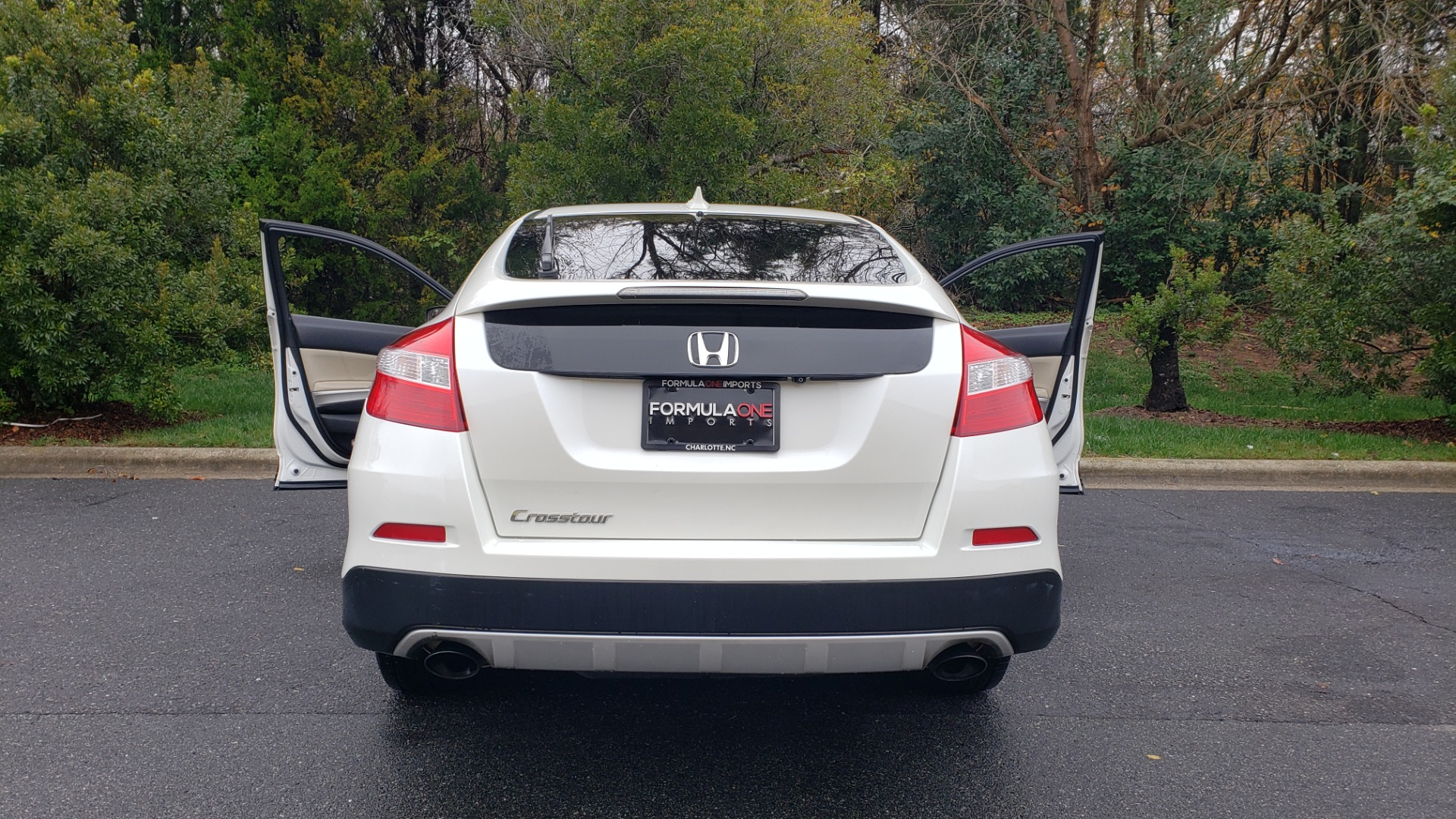 Used 2015 Honda CROSSTOUR EX-L 2WD / SUNROOF / REARVIEW / 17-IN ALLOY WHEELS for sale $11,595 at Formula Imports in Charlotte NC 28227 24