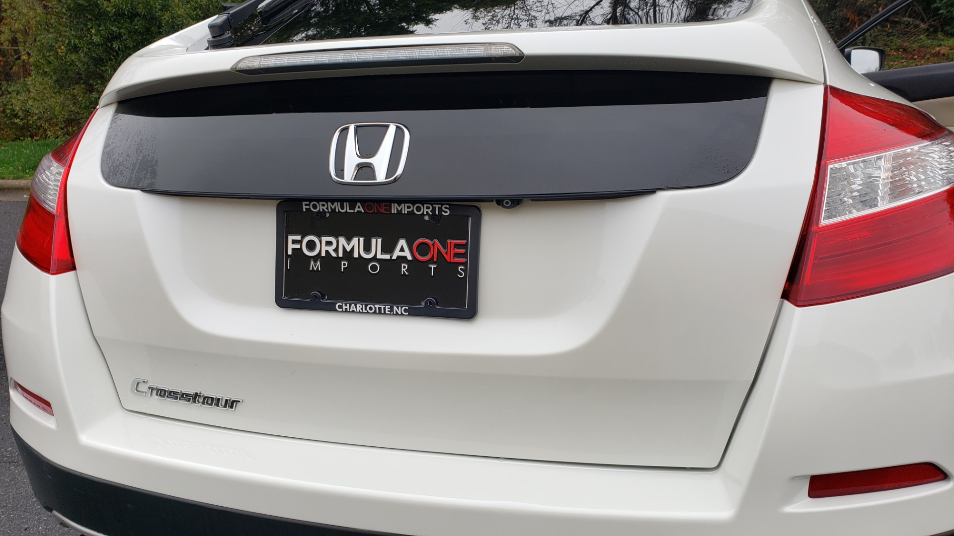 Used 2015 Honda CROSSTOUR EX-L 2WD / SUNROOF / REARVIEW / 17-IN ALLOY WHEELS for sale $11,595 at Formula Imports in Charlotte NC 28227 27