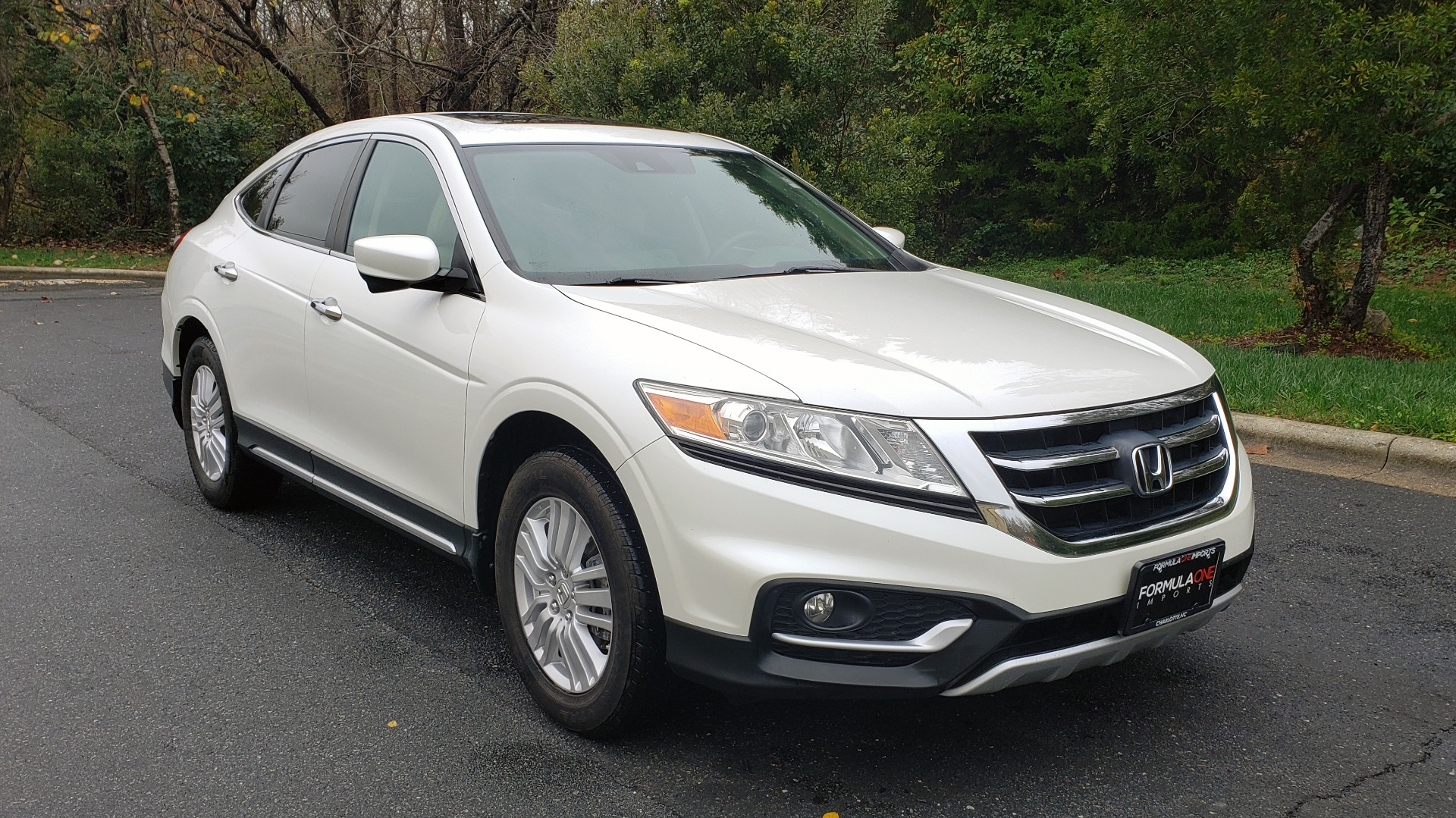 Used 2015 Honda CROSSTOUR EX-L 2WD / SUNROOF / REARVIEW / 17-IN ALLOY WHEELS for sale $11,595 at Formula Imports in Charlotte NC 28227 4