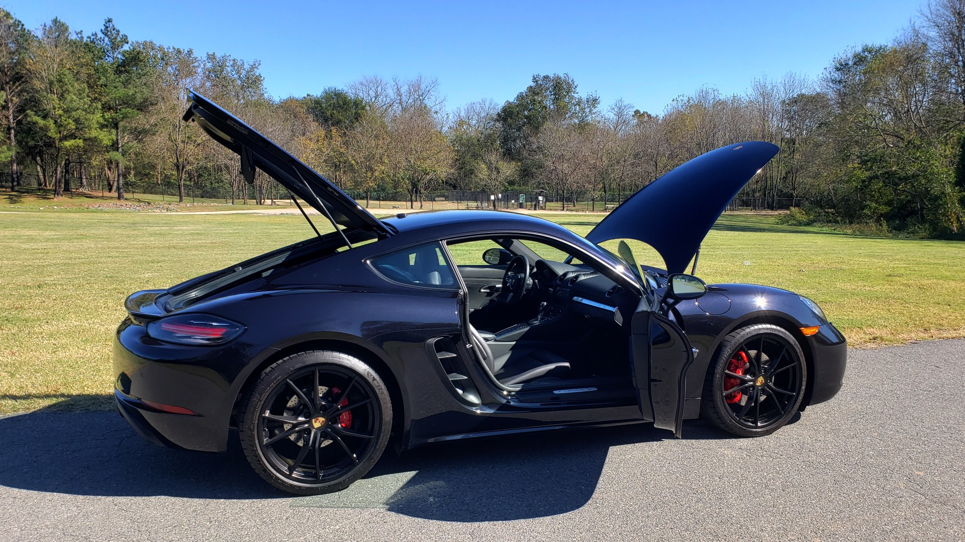 Used 2019 Porsche 718 CAYMAN S COUPE / PDK TRANS / LCA / BOSE / HTD STS / LIGHT DESIGN PKG for sale $67,999 at Formula Imports in Charlotte NC 28227 25