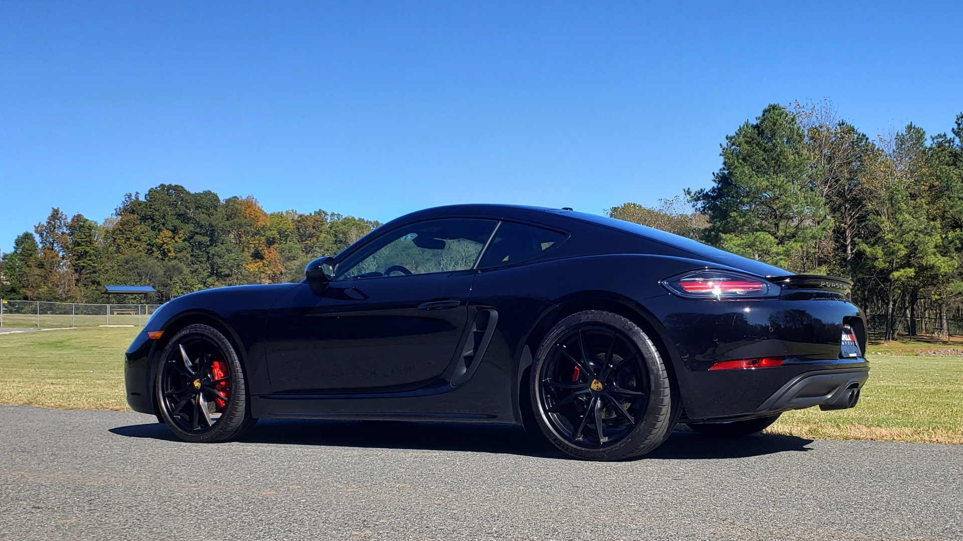 Used 2019 Porsche 718 CAYMAN S COUPE / PDK TRANS / LCA / BOSE / HTD STS / LIGHT DESIGN PKG for sale $67,999 at Formula Imports in Charlotte NC 28227 4