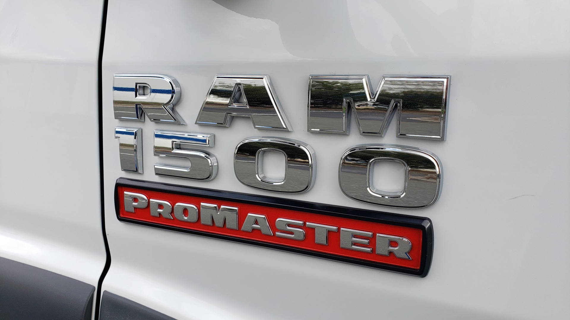 Used 2015 Ram PROMASTER CARGO VAN 136-INCH WB / LOW ROOF / LADDER RACK / INSIDE RACKS for sale Sold at Formula Imports in Charlotte NC 28227 10