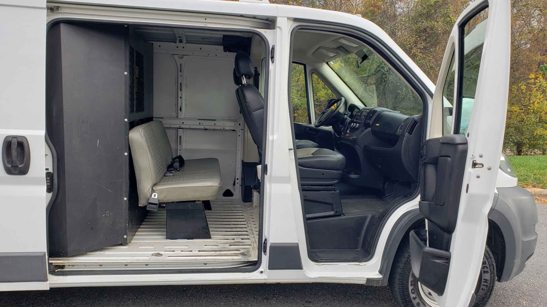 Used 2015 Ram PROMASTER CARGO VAN 136-INCH WB / LOW ROOF / LADDER RACK / INSIDE RACKS for sale Sold at Formula Imports in Charlotte NC 28227 12