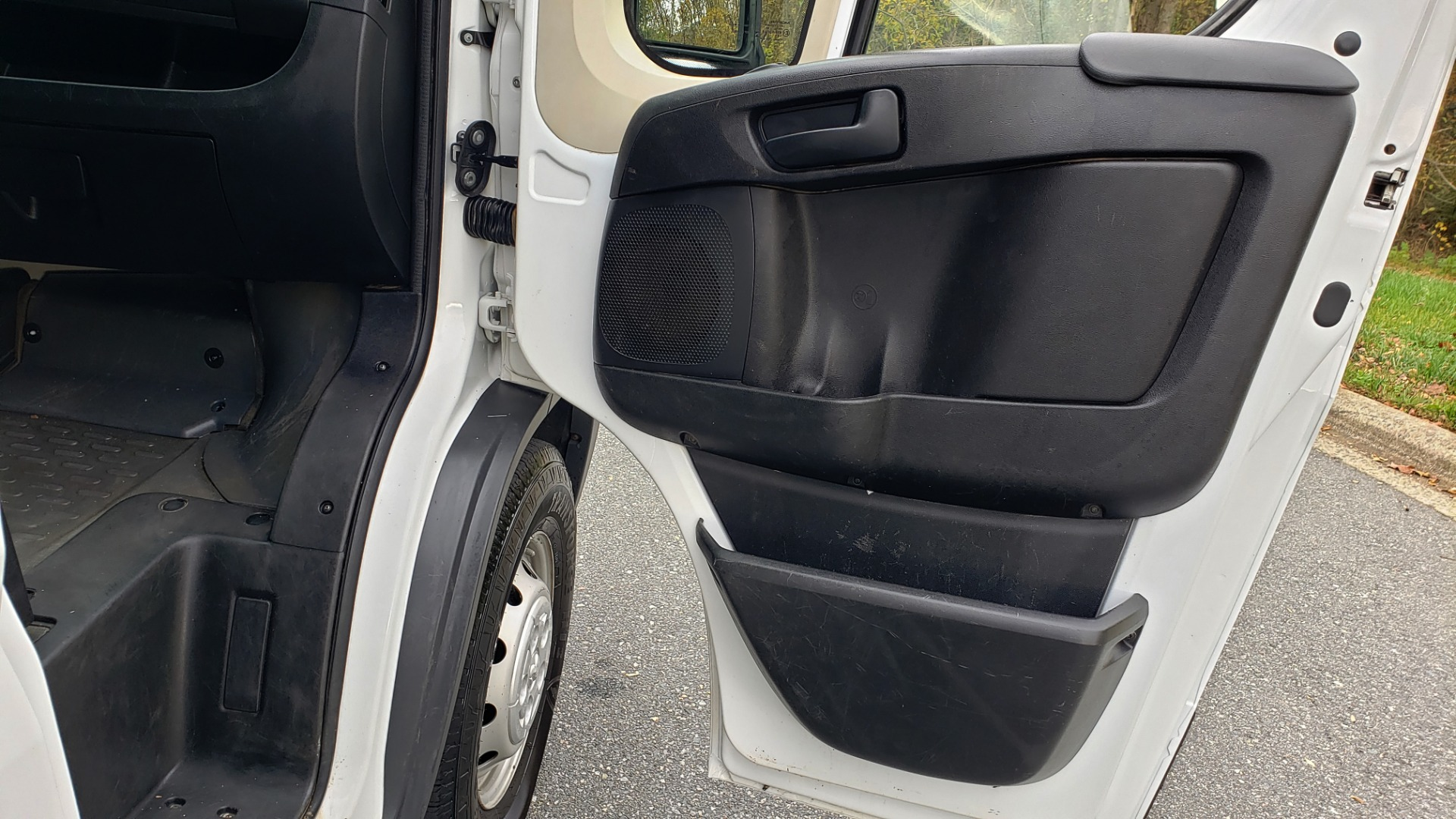 Used 2015 Ram PROMASTER CARGO VAN 136-INCH WB / LOW ROOF / LADDER RACK / INSIDE RACKS for sale Sold at Formula Imports in Charlotte NC 28227 49
