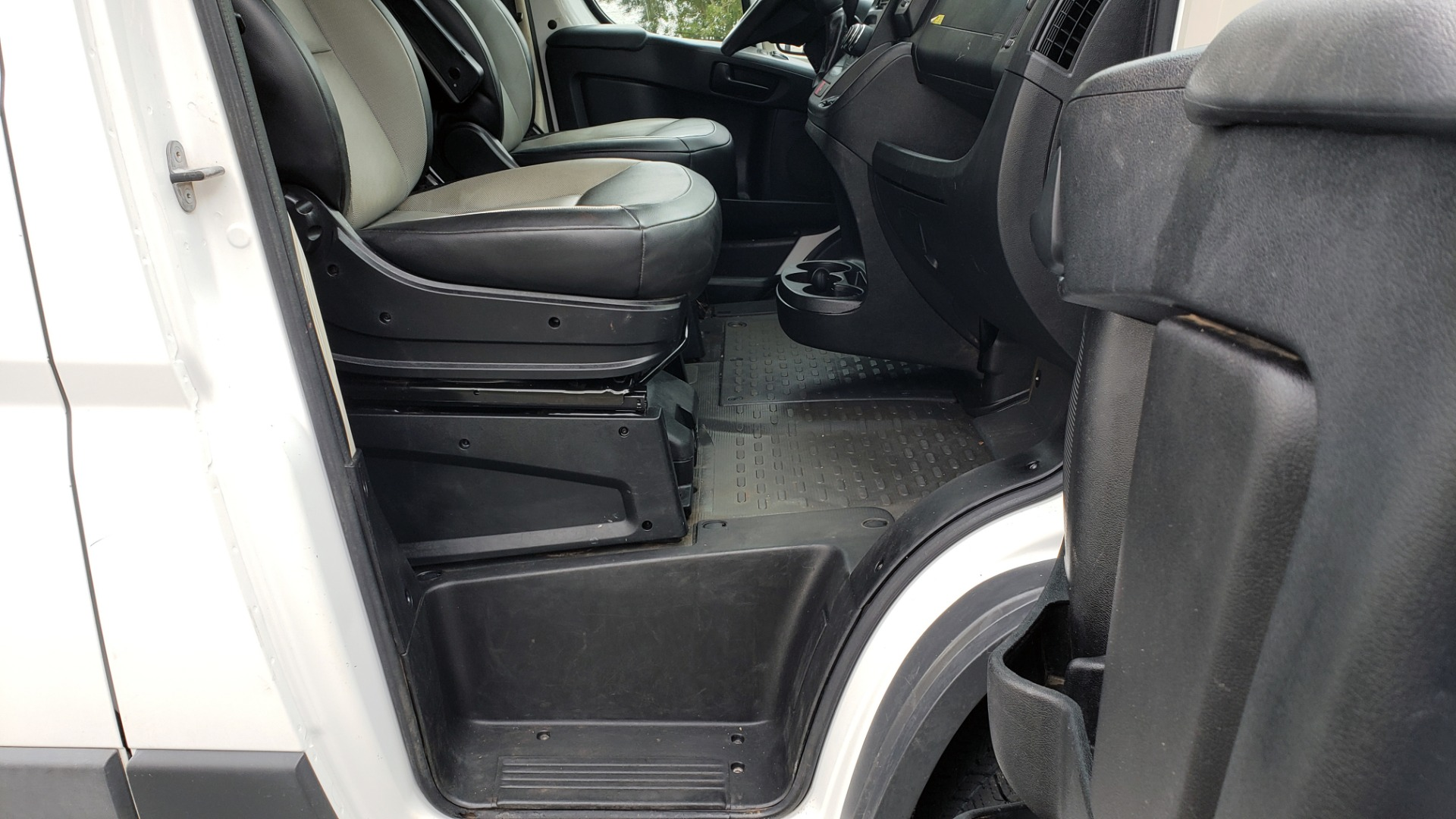 Used 2015 Ram PROMASTER CARGO VAN 136-INCH WB / LOW ROOF / LADDER RACK / INSIDE RACKS for sale Sold at Formula Imports in Charlotte NC 28227 51