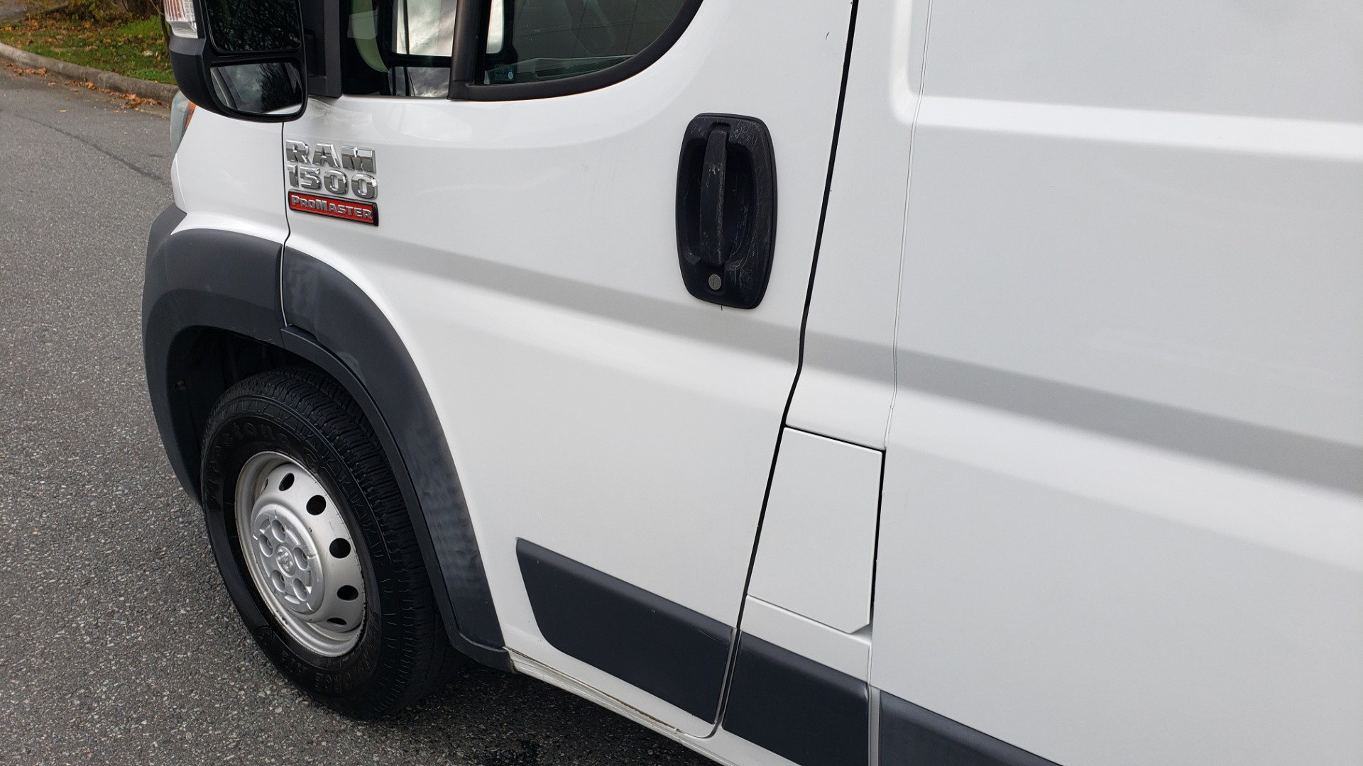 Used 2015 Ram PROMASTER CARGO VAN 136-INCH WB / LOW ROOF / LADDER RACK / INSIDE RACKS for sale Sold at Formula Imports in Charlotte NC 28227 7