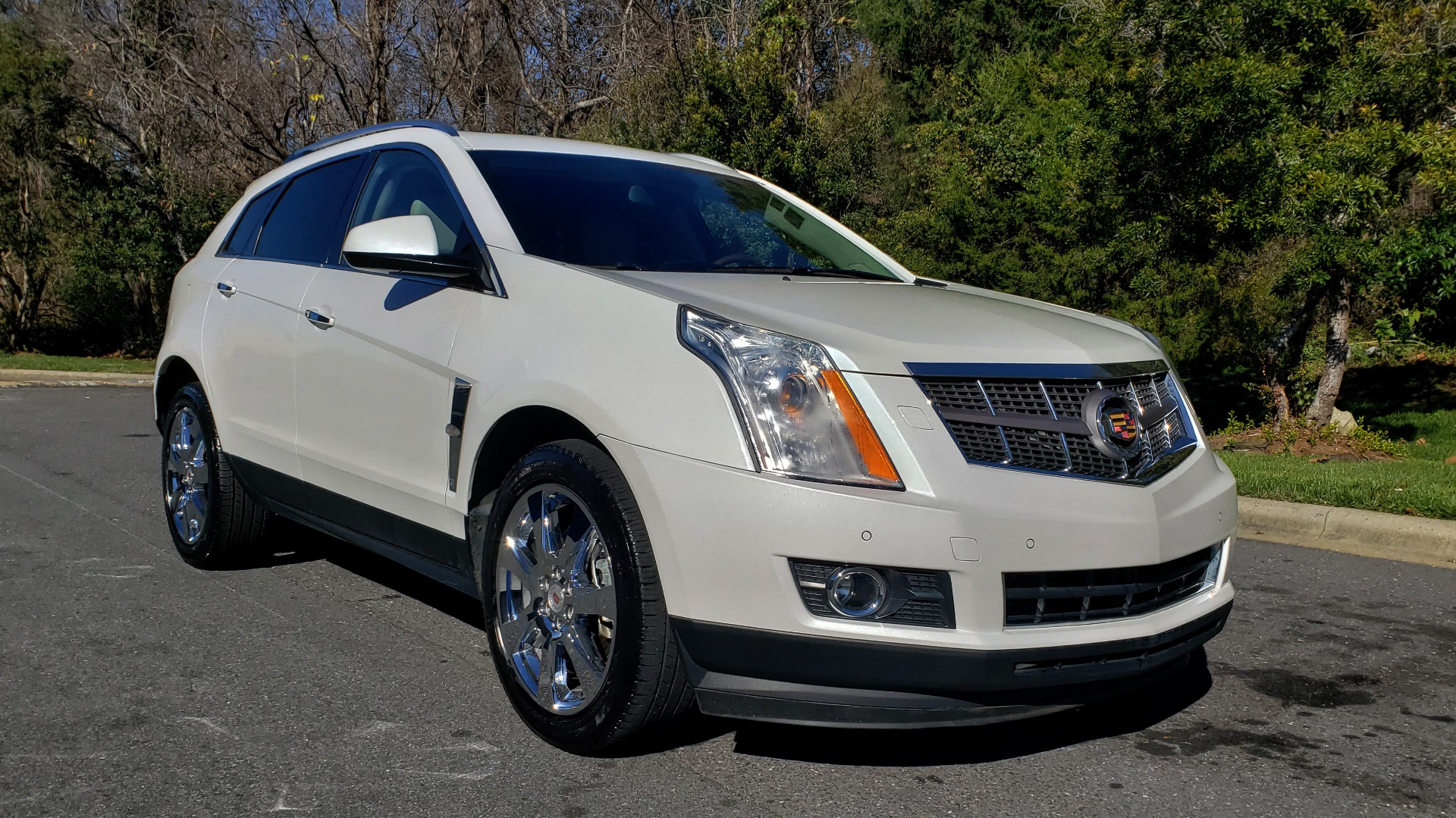 Used 2011 Cadillac SRX PERFORMANCE COLLECTION / ENT SYS / BOSE / REARVIEW for sale $15,999 at Formula Imports in Charlotte NC 28227 4