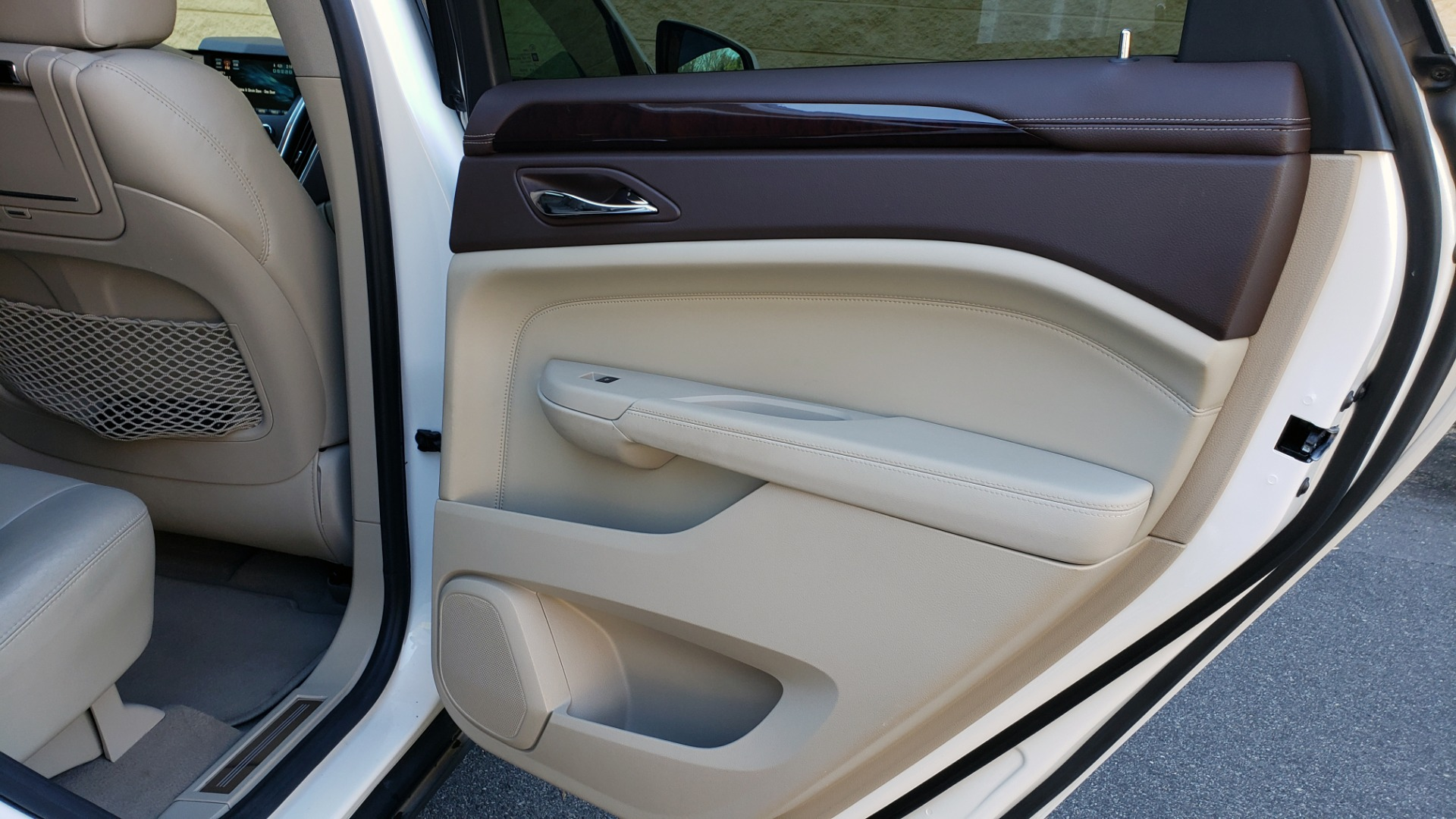 Used 2011 Cadillac SRX PERFORMANCE COLLECTION / ENT SYS / BOSE / REARVIEW for sale $15,999 at Formula Imports in Charlotte NC 28227 72