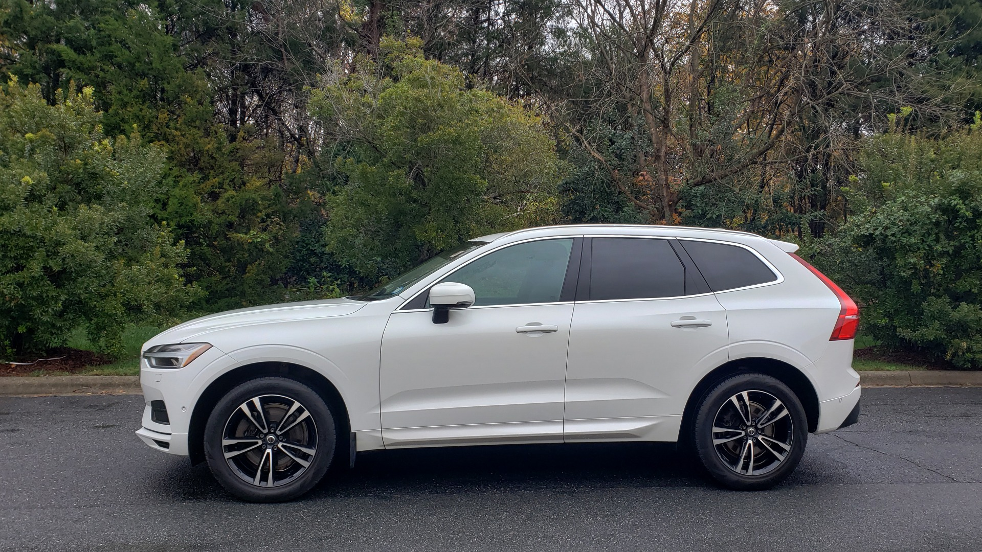 Used 2018 Volvo XC60 MOMENTUM AWD / NAV / SUNROOF / LKA / BLIS / PRK ASST for sale Sold at Formula Imports in Charlotte NC 28227 2