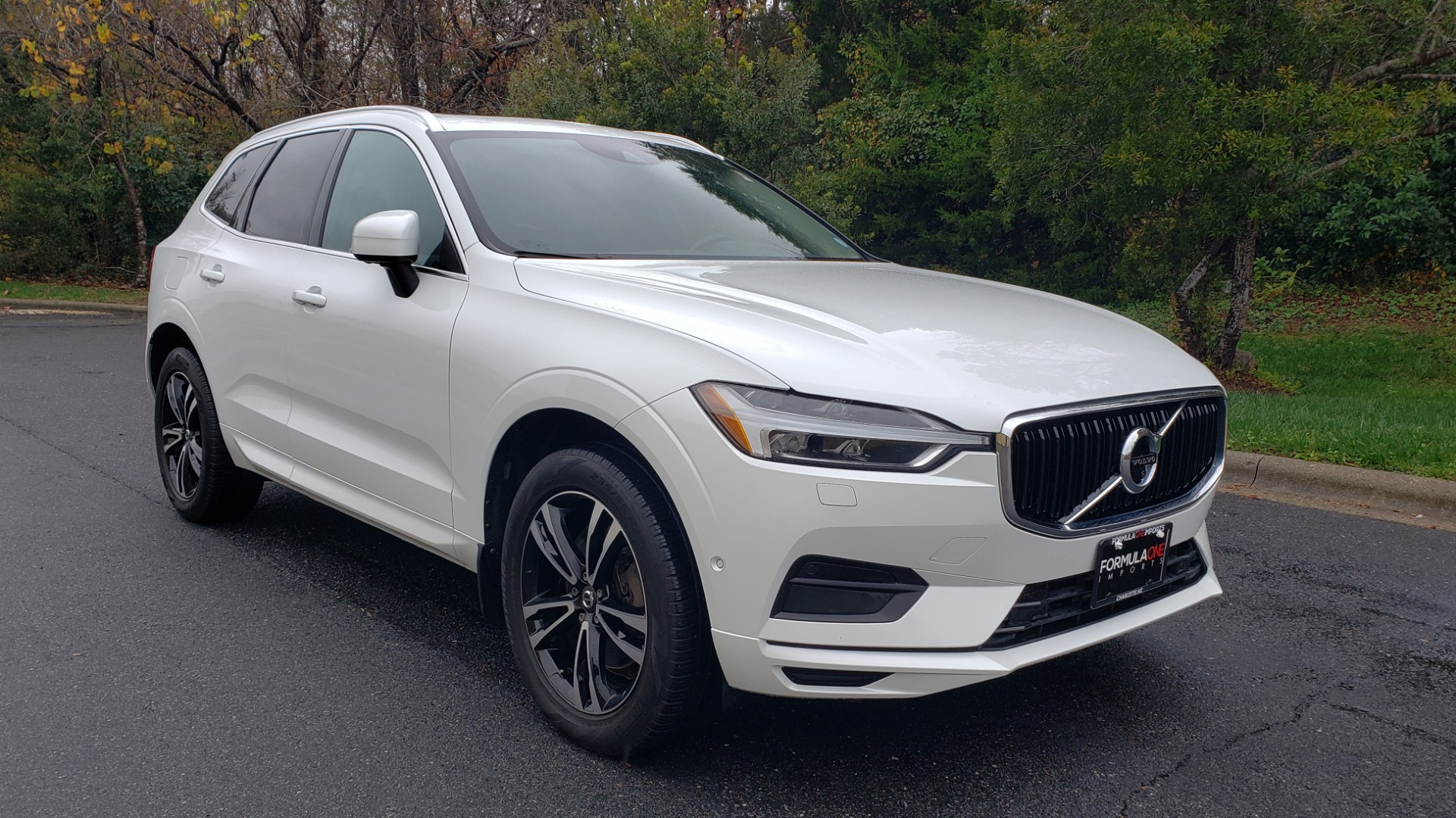 Used 2018 Volvo XC60 MOMENTUM AWD / NAV / SUNROOF / LKA / BLIS / PRK ASST for sale Sold at Formula Imports in Charlotte NC 28227 4