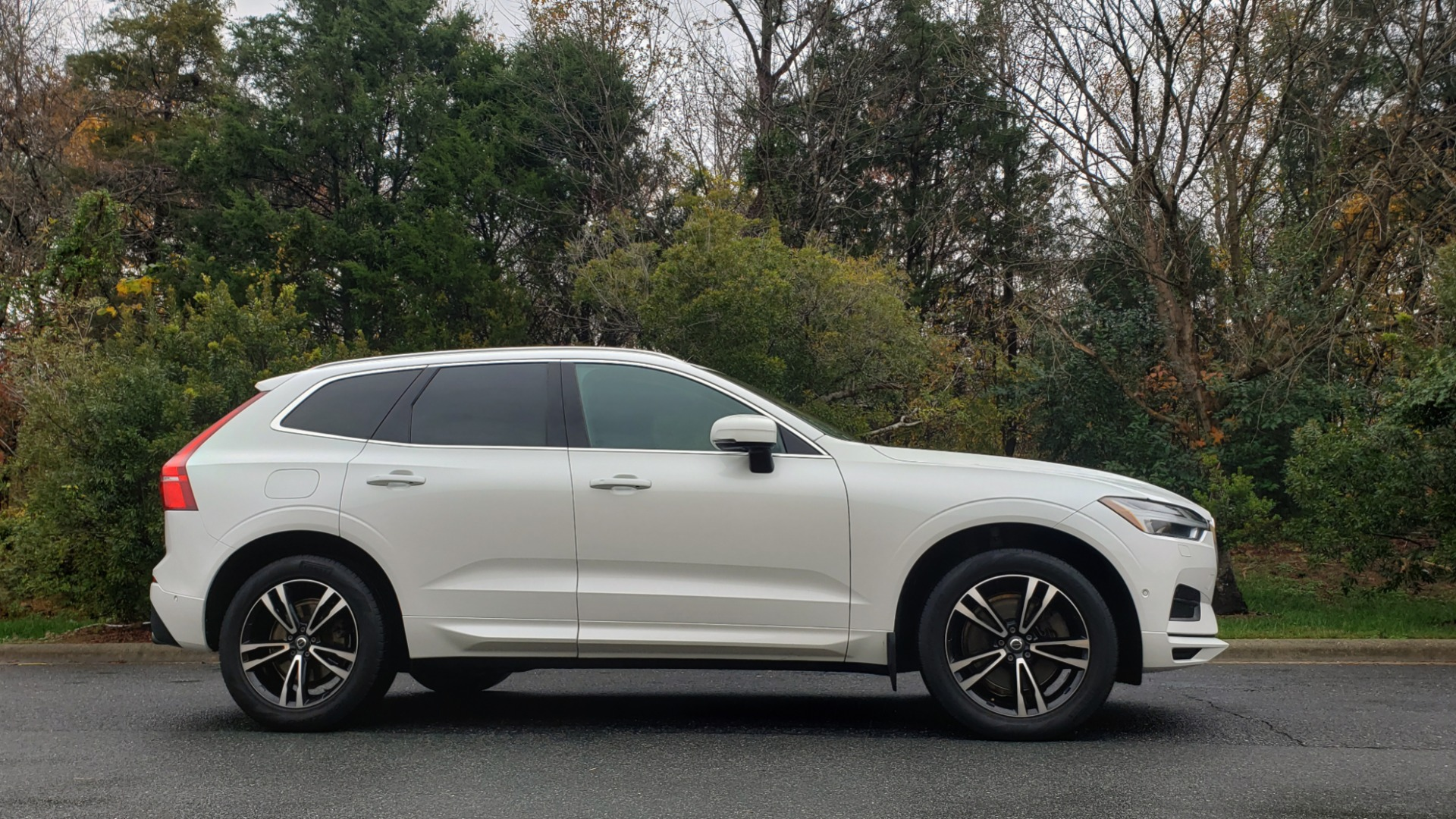 Used 2018 Volvo XC60 MOMENTUM AWD / NAV / SUNROOF / LKA / BLIS / PRK ASST for sale Sold at Formula Imports in Charlotte NC 28227 5