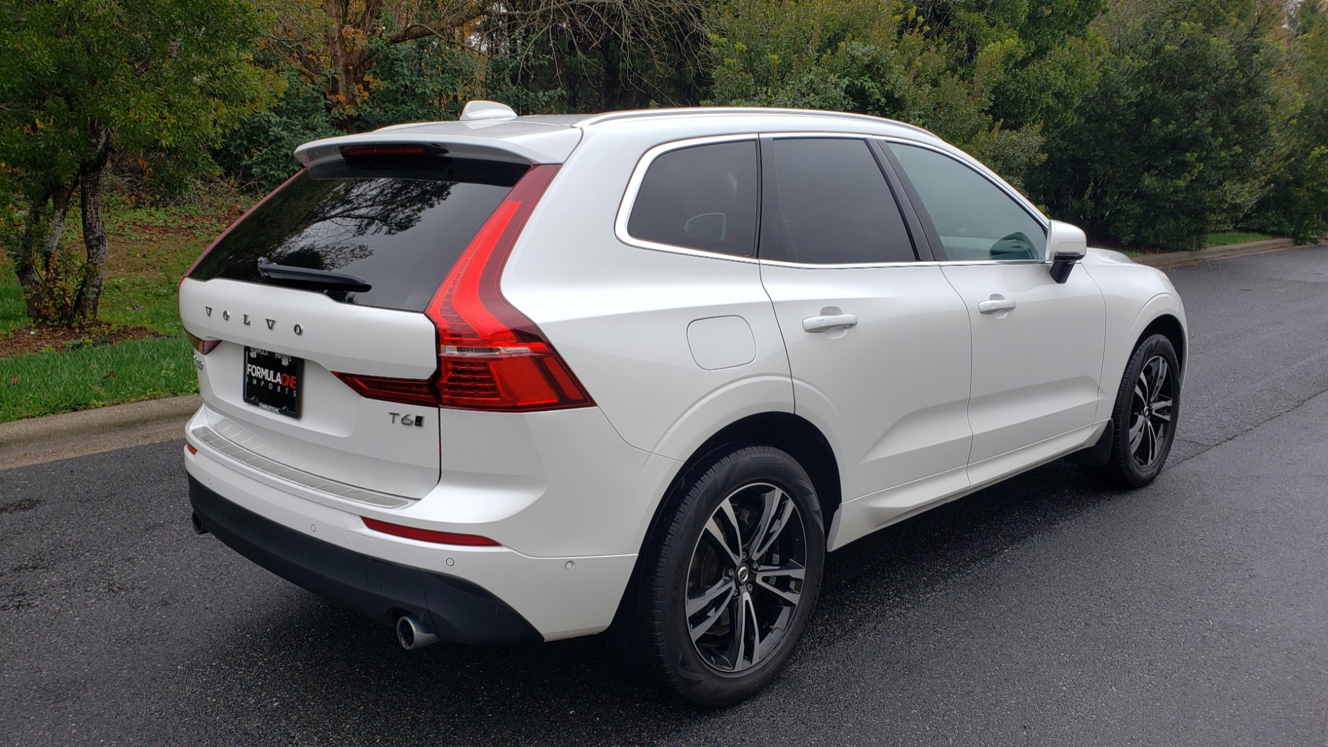 Used 2018 Volvo XC60 MOMENTUM AWD / NAV / SUNROOF / LKA / BLIS / PRK ASST for sale Sold at Formula Imports in Charlotte NC 28227 6