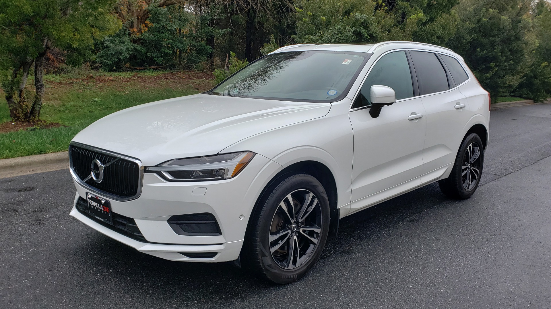 Used 2018 Volvo XC60 MOMENTUM AWD / NAV / SUNROOF / LKA / BLIS / PRK ASST for sale Sold at Formula Imports in Charlotte NC 28227 1