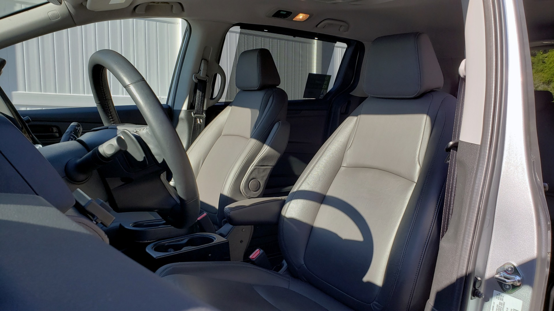 Used 2019 Honda ODYSSEY EX-L BRAUNABILITY / NAV / RES / LKA / BLUE-RAY / SUNROOF / REARVIEW for sale Sold at Formula Imports in Charlotte NC 28227 14