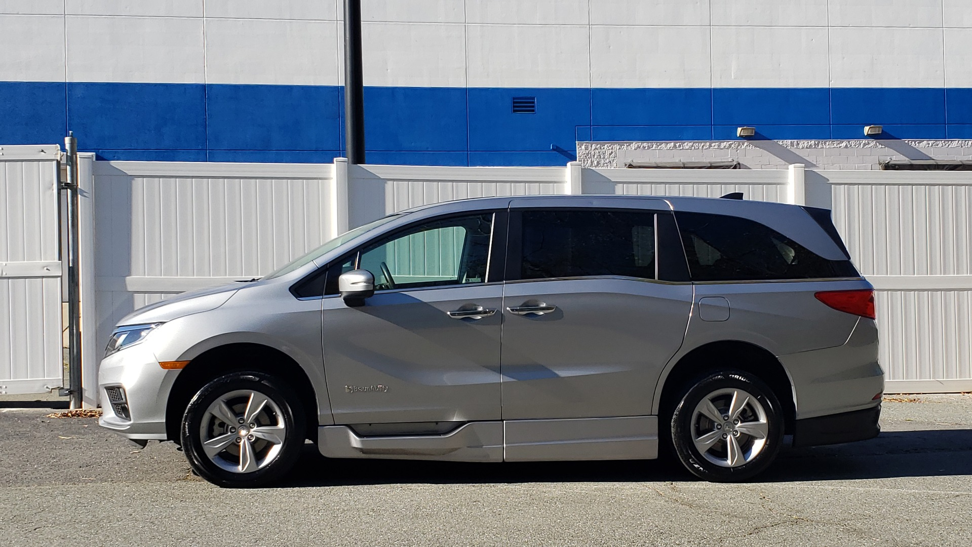 Used 2019 Honda ODYSSEY EX-L BRAUNABILITY / NAV / RES / LKA / BLUE-RAY / SUNROOF / REARVIEW for sale Sold at Formula Imports in Charlotte NC 28227 2