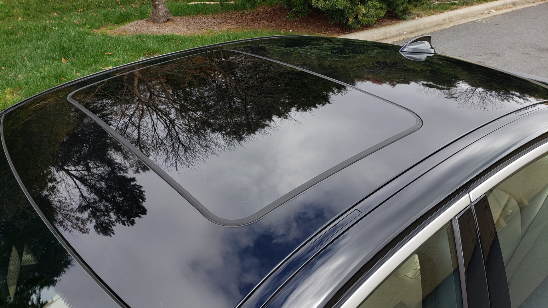 Used 2019 BMW 3 SERIES 330I PREM PKG / NAV / CONV PKG / H&K SND / LIVE COCKPIT PRO for sale Sold at Formula Imports in Charlotte NC 28227 9
