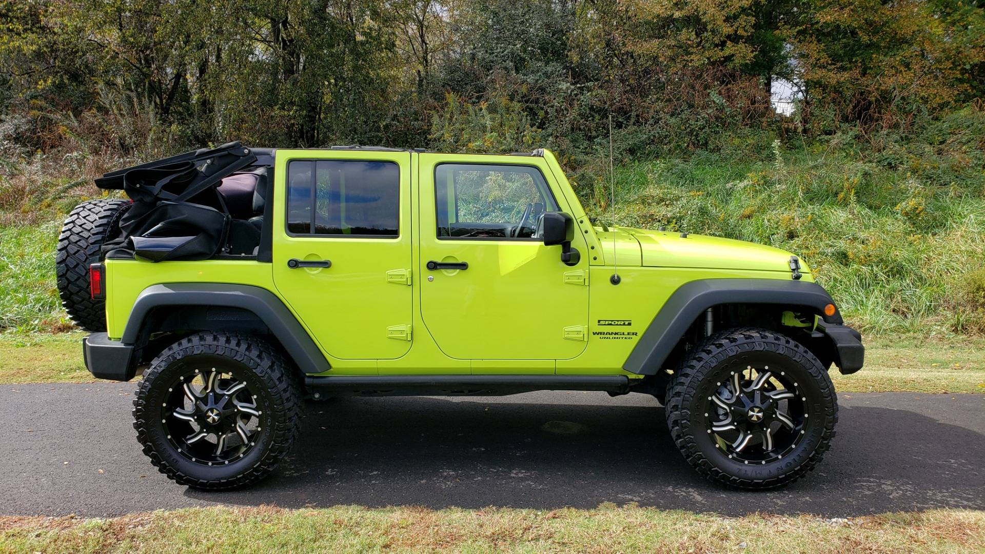 Used 2016 Jeep WRANGLER UNLIMITED SPORT 4X4 / POWER TOP / NAV / HTD STS / REARVIEW for sale Sold at Formula Imports in Charlotte NC 28227 11