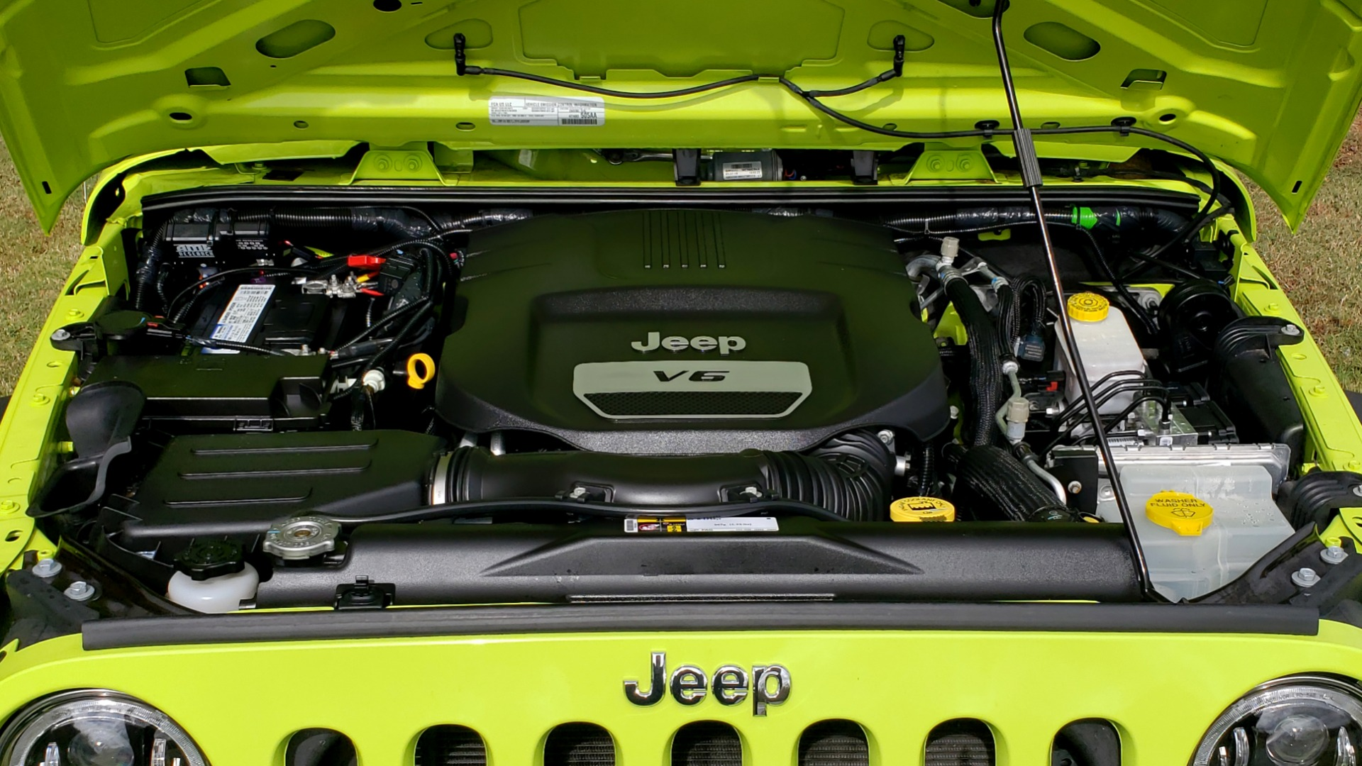 Used 2016 Jeep WRANGLER UNLIMITED SPORT 4X4 / POWER TOP / NAV / HTD STS / REARVIEW for sale $36,999 at Formula Imports in Charlotte NC 28227 23