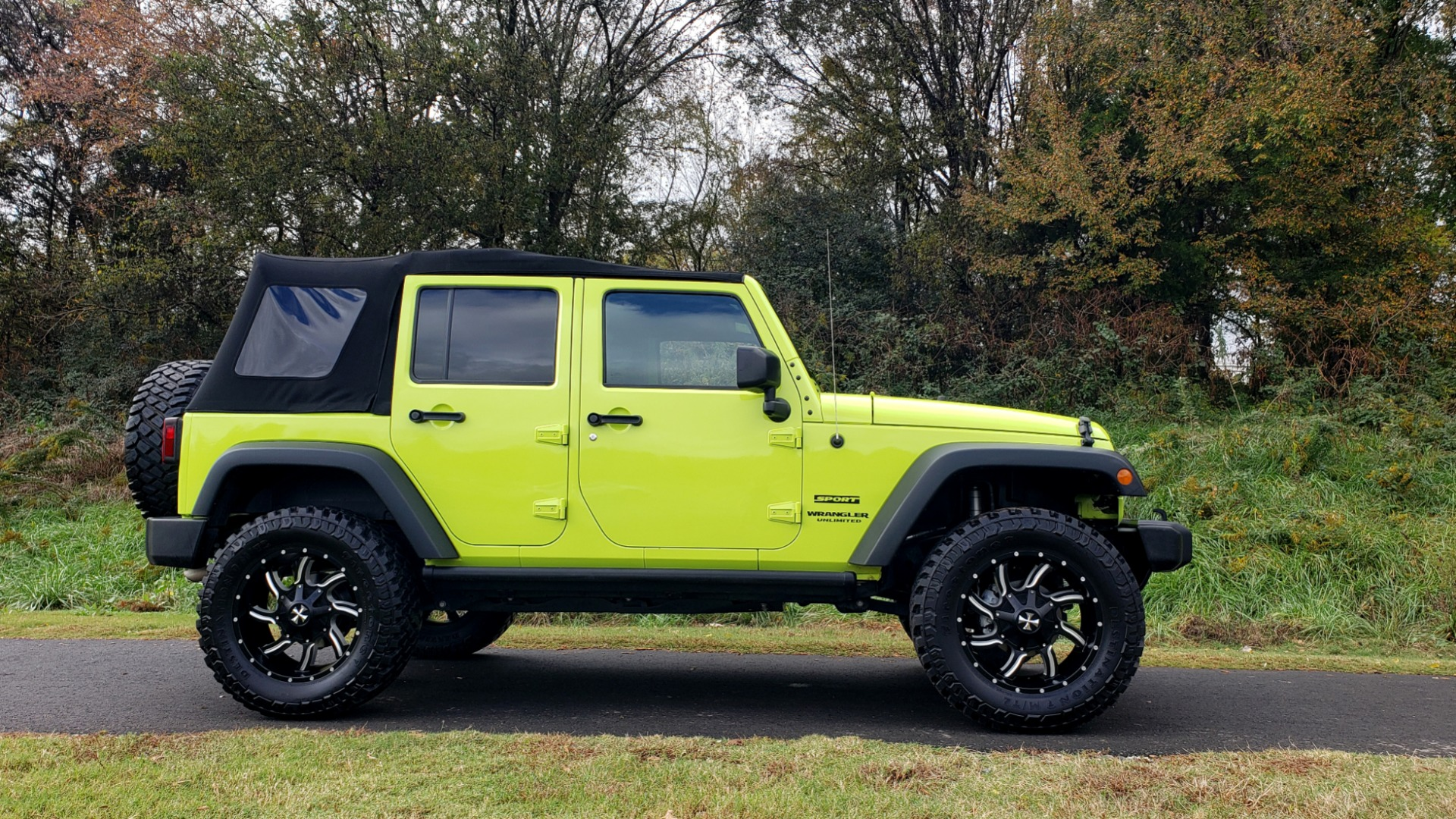 Used 2016 Jeep WRANGLER UNLIMITED SPORT 4X4 / POWER TOP / NAV / HTD STS / REARVIEW for sale $36,999 at Formula Imports in Charlotte NC 28227 4