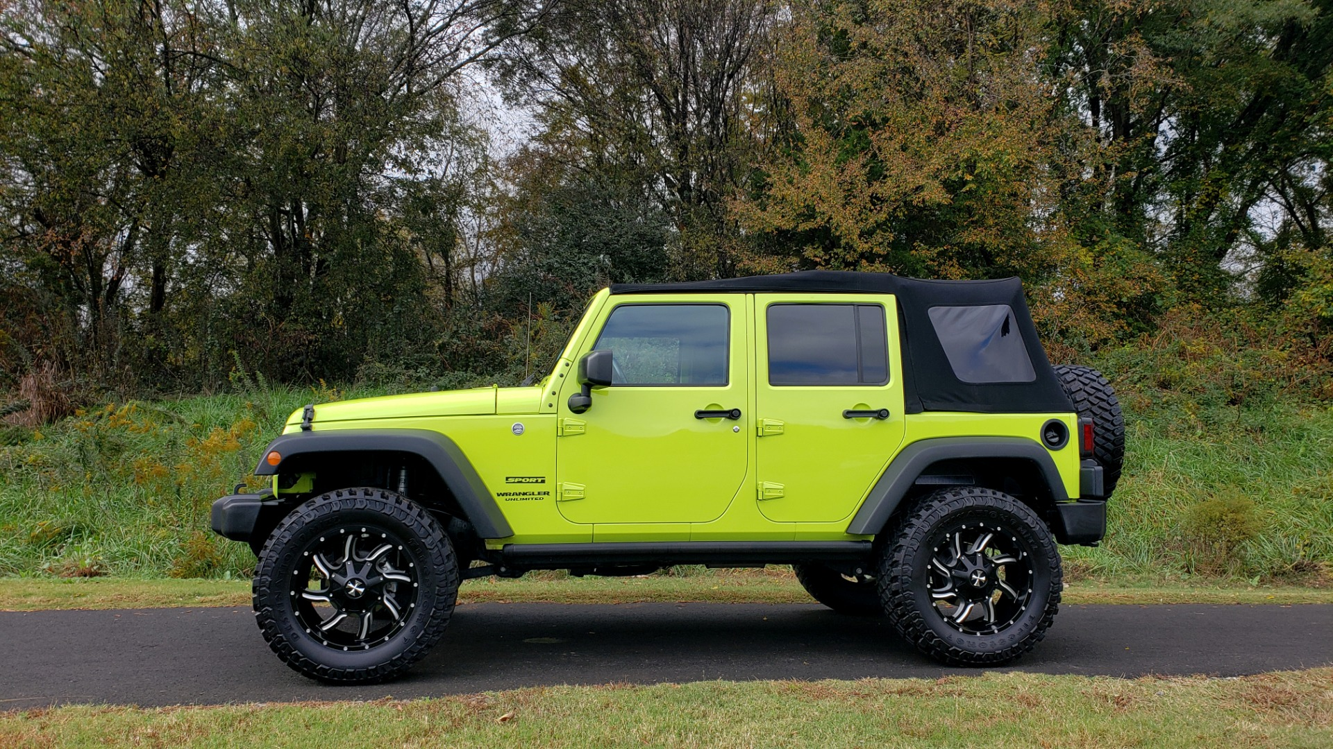 Used 2016 Jeep WRANGLER UNLIMITED SPORT 4X4 / POWER TOP / NAV / HTD STS / REARVIEW for sale Sold at Formula Imports in Charlotte NC 28227 7