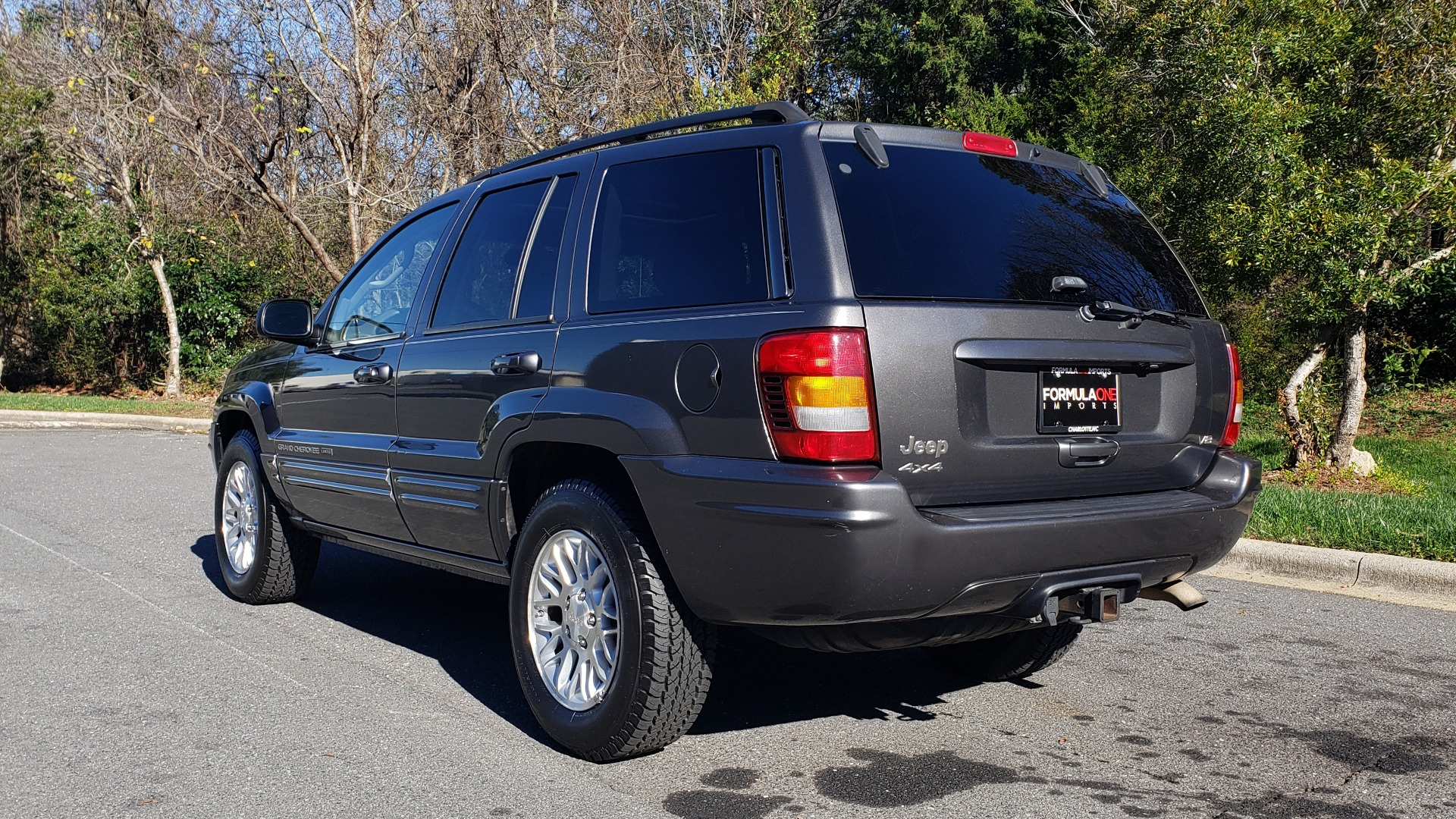 Used 2002 Jeep GRAND CHEROKEE LIMITED 4X4 / SUNROOF / 4.7L V8 / 5-SPD AUTO / CLD WTHR for sale Sold at Formula Imports in Charlotte NC 28227 3