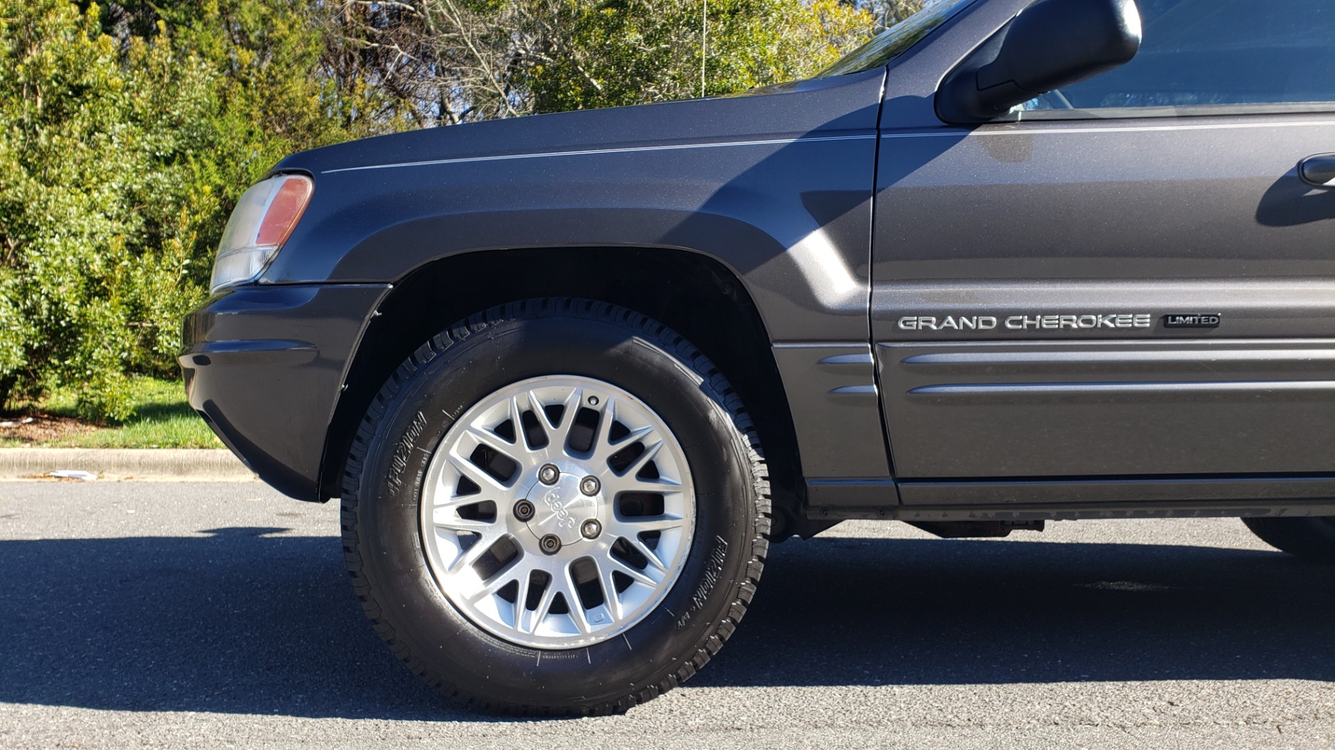 Used 2002 Jeep GRAND CHEROKEE LIMITED 4X4 / SUNROOF / 4.7L V8 / 5-SPD AUTO / CLD WTHR for sale Sold at Formula Imports in Charlotte NC 28227 79