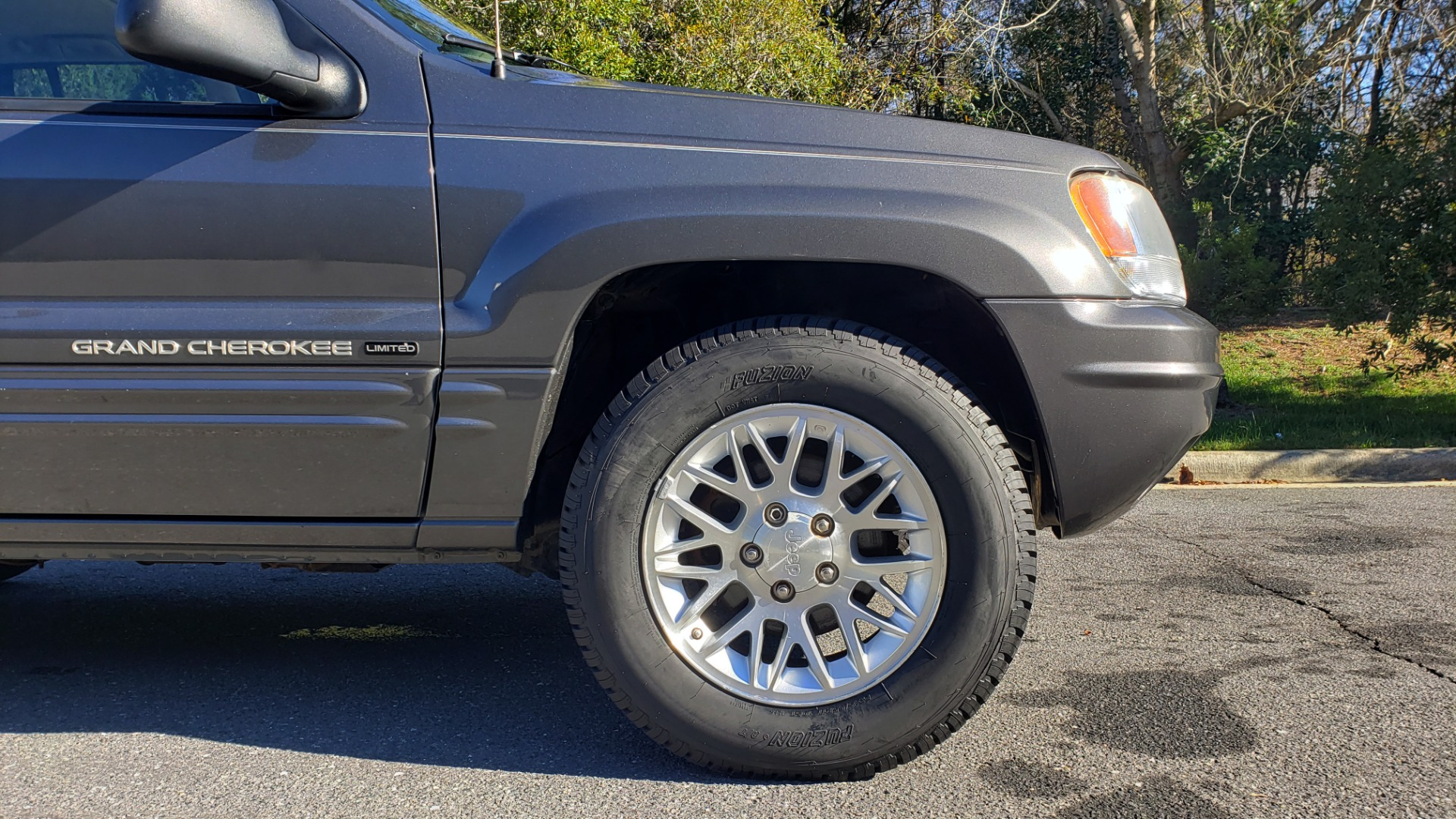 Used 2002 Jeep GRAND CHEROKEE LIMITED 4X4 / SUNROOF / 4.7L V8 / 5-SPD AUTO / CLD WTHR for sale Sold at Formula Imports in Charlotte NC 28227 82