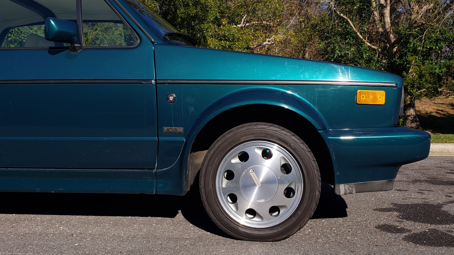 Used 1992 Volkswagen CABRIOLET 5-SPEED MAN / 4-CYL / AIR / 94K MILES / VERY CLEAN for sale Sold at Formula Imports in Charlotte NC 28227 31