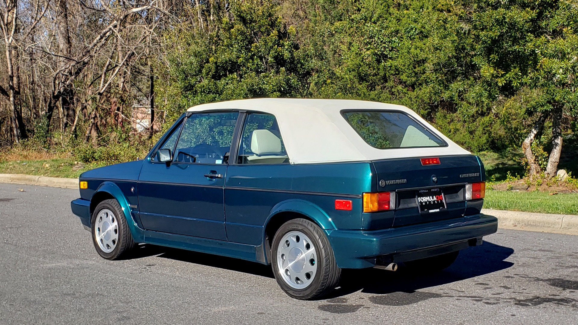 Used 1992 Volkswagen CABRIOLET 5-SPEED MAN / 4-CYL / AIR / 94K MILES / VERY CLEAN for sale Sold at Formula Imports in Charlotte NC 28227 5
