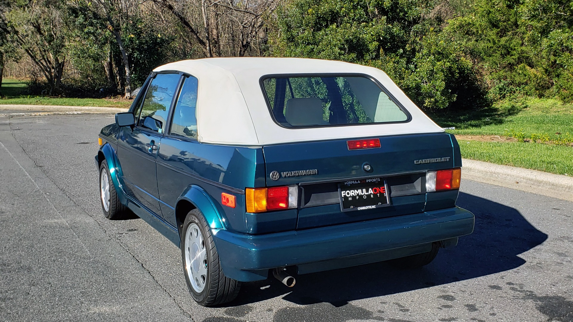 Used 1992 Volkswagen CABRIOLET 5-SPEED MAN / 4-CYL / AIR / 94K MILES / VERY CLEAN for sale Sold at Formula Imports in Charlotte NC 28227 6
