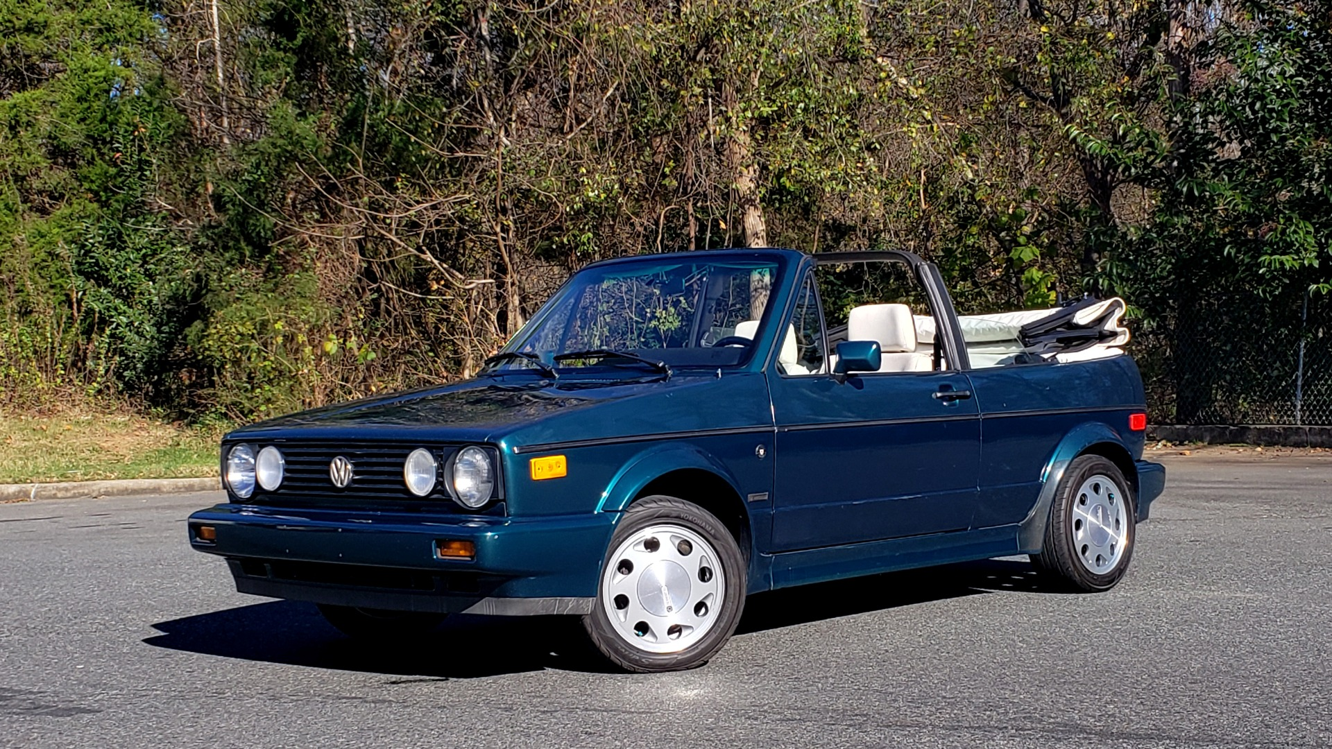 Used 1992 Volkswagen CABRIOLET 5-SPEED MAN / 4-CYL / AIR / 94K MILES / VERY CLEAN for sale Sold at Formula Imports in Charlotte NC 28227 1