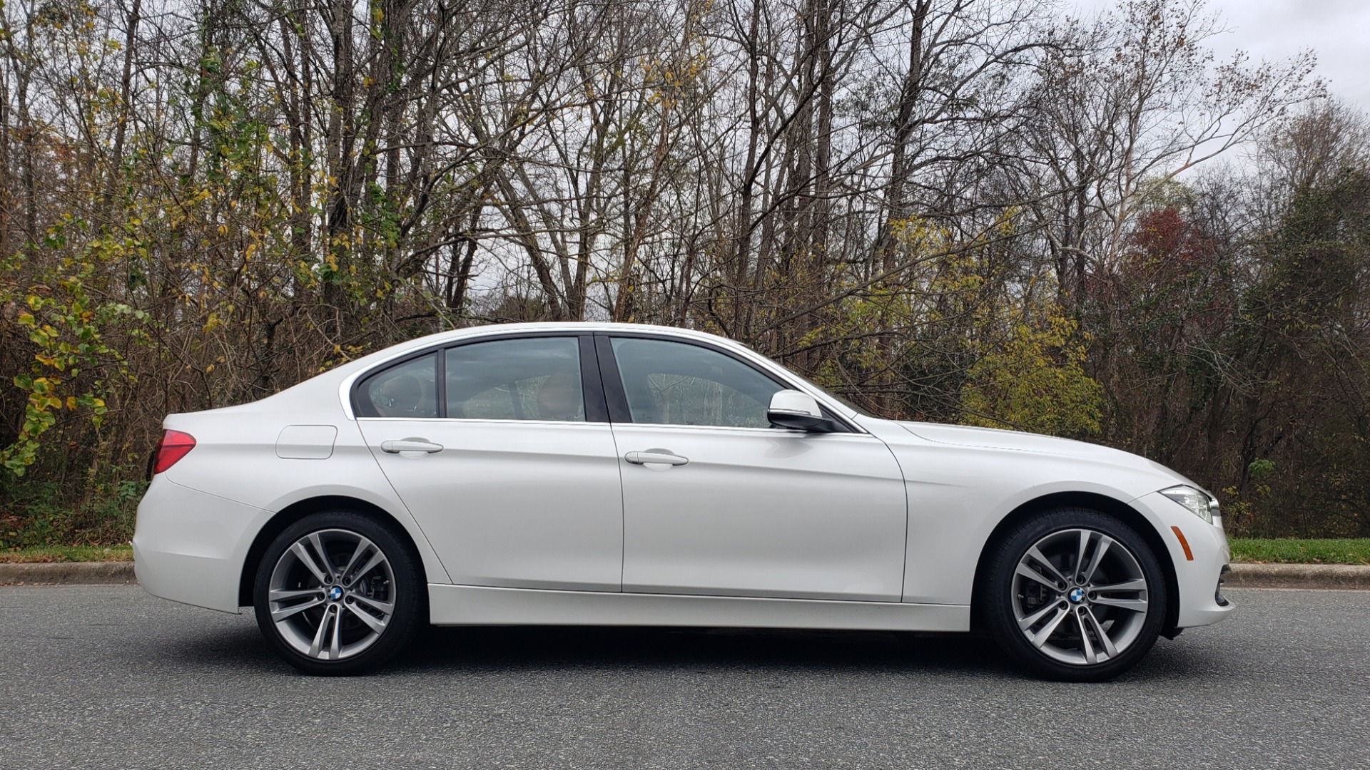 Used 2017 BMW 3 SERIES 330I XDRIVE PREMIUM / NAV / DRVR ASST / CLD WTHR / REARVIEW for sale $24,695 at Formula Imports in Charlotte NC 28227 5