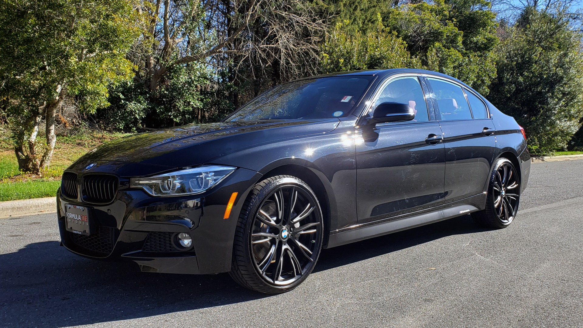 Used 2017 BMW 3 SERIES 330IXDRIVE M-SPORT / PREMIUM / DRVR ASST / CLD WTHR / NAV / APPLE CARPLAY for sale $27,495 at Formula Imports in Charlotte NC 28227 1