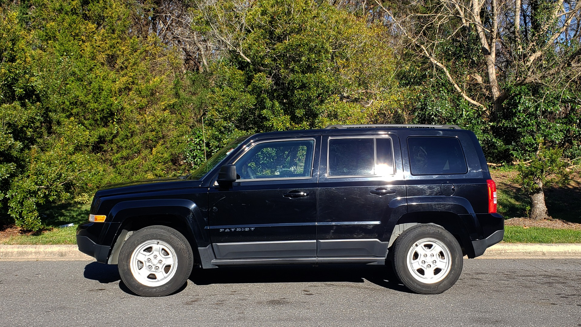 Used 2014 Jeep PATRIOT SPORT / 4WD 4-DR / POWER VALUE GRP / 4-CYL / 6-SPD AUTO for sale Sold at Formula Imports in Charlotte NC 28227 2