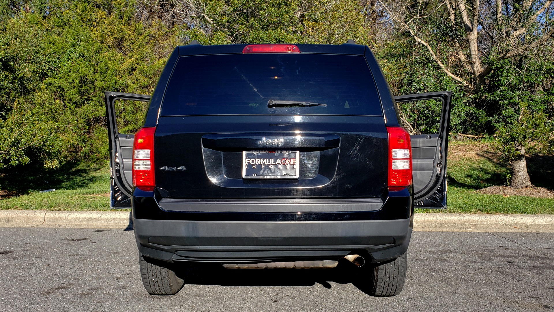 Used 2014 Jeep PATRIOT SPORT / 4WD 4-DR / POWER VALUE GRP / 4-CYL / 6-SPD AUTO for sale Sold at Formula Imports in Charlotte NC 28227 24