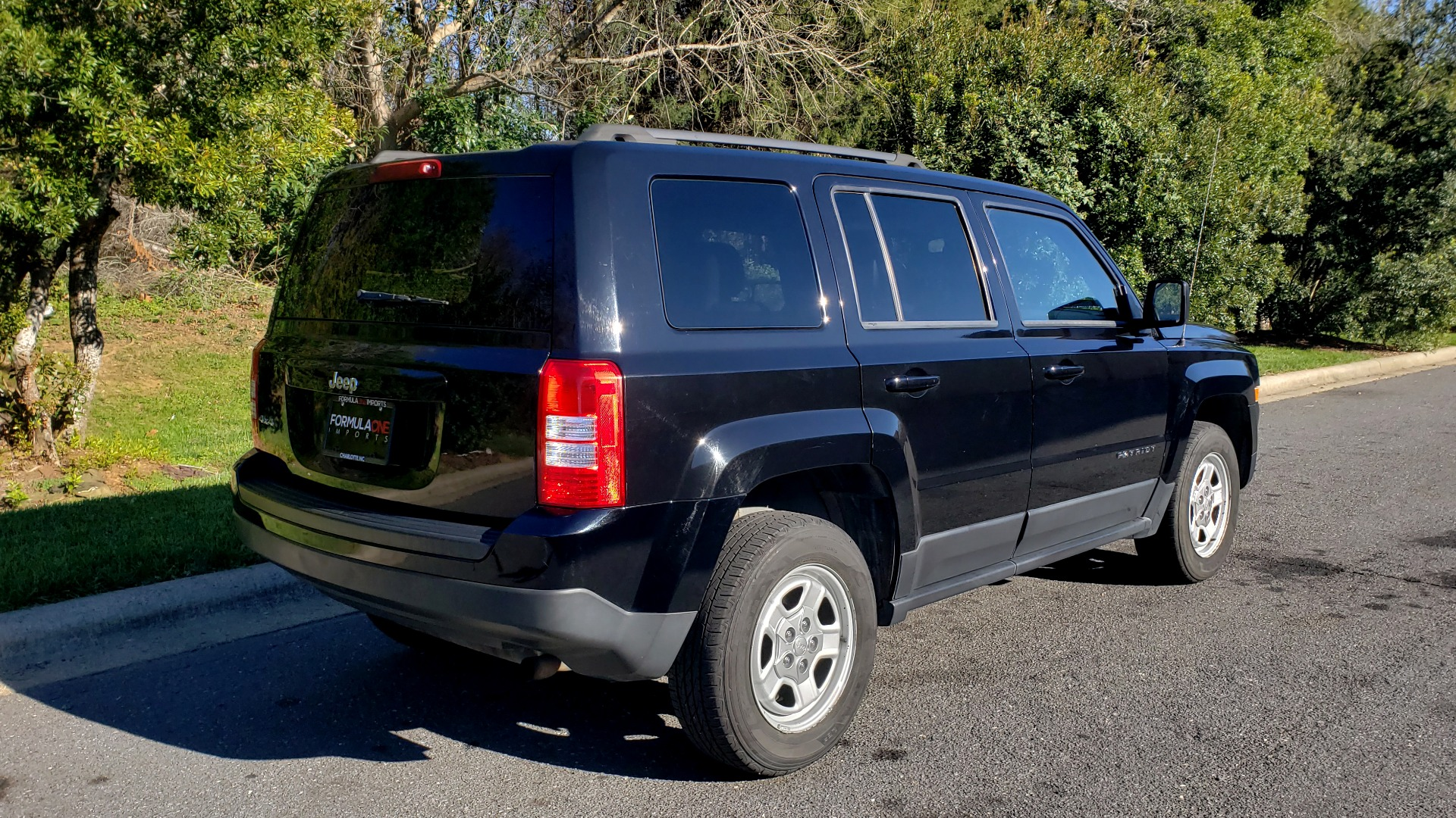 Used 2014 Jeep PATRIOT SPORT / 4WD 4-DR / POWER VALUE GRP / 4-CYL / 6-SPD AUTO for sale Sold at Formula Imports in Charlotte NC 28227 7