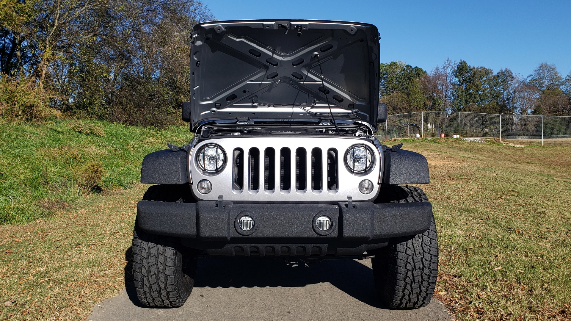 Used 2017 Jeep WRANGLER SPORT 4X4 / 3.6L V6 / MANUAL / AIR / LED LIGHTING / TOW GRP / AL for sale $31,900 at Formula Imports in Charlotte NC 28227 18