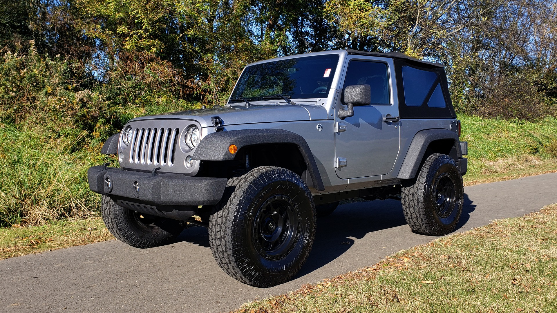 Used 2017 Jeep WRANGLER SPORT 4X4 / 3.6L V6 / MANUAL / AIR / LED LIGHTING / TOW GRP / AL for sale $31,900 at Formula Imports in Charlotte NC 28227 4